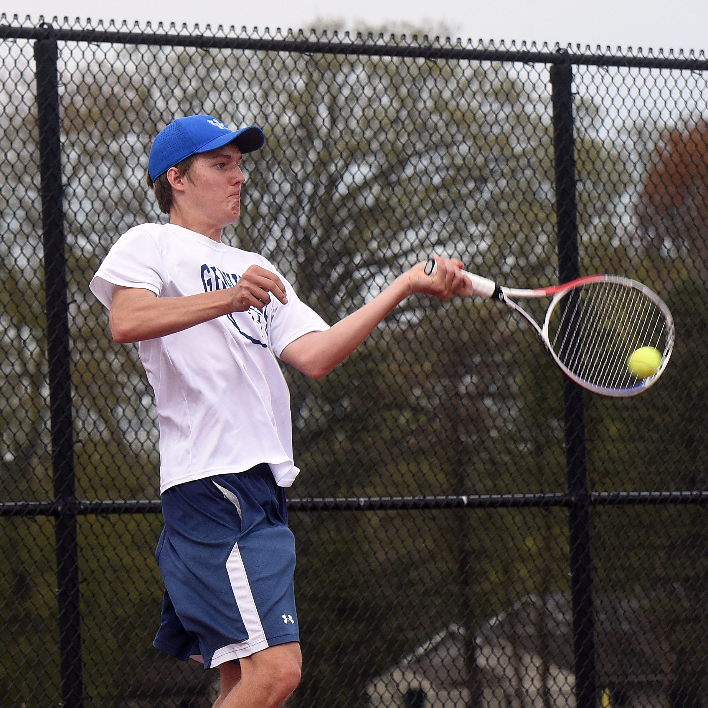 Roundup: Granville's Conway qualifies for district tennis