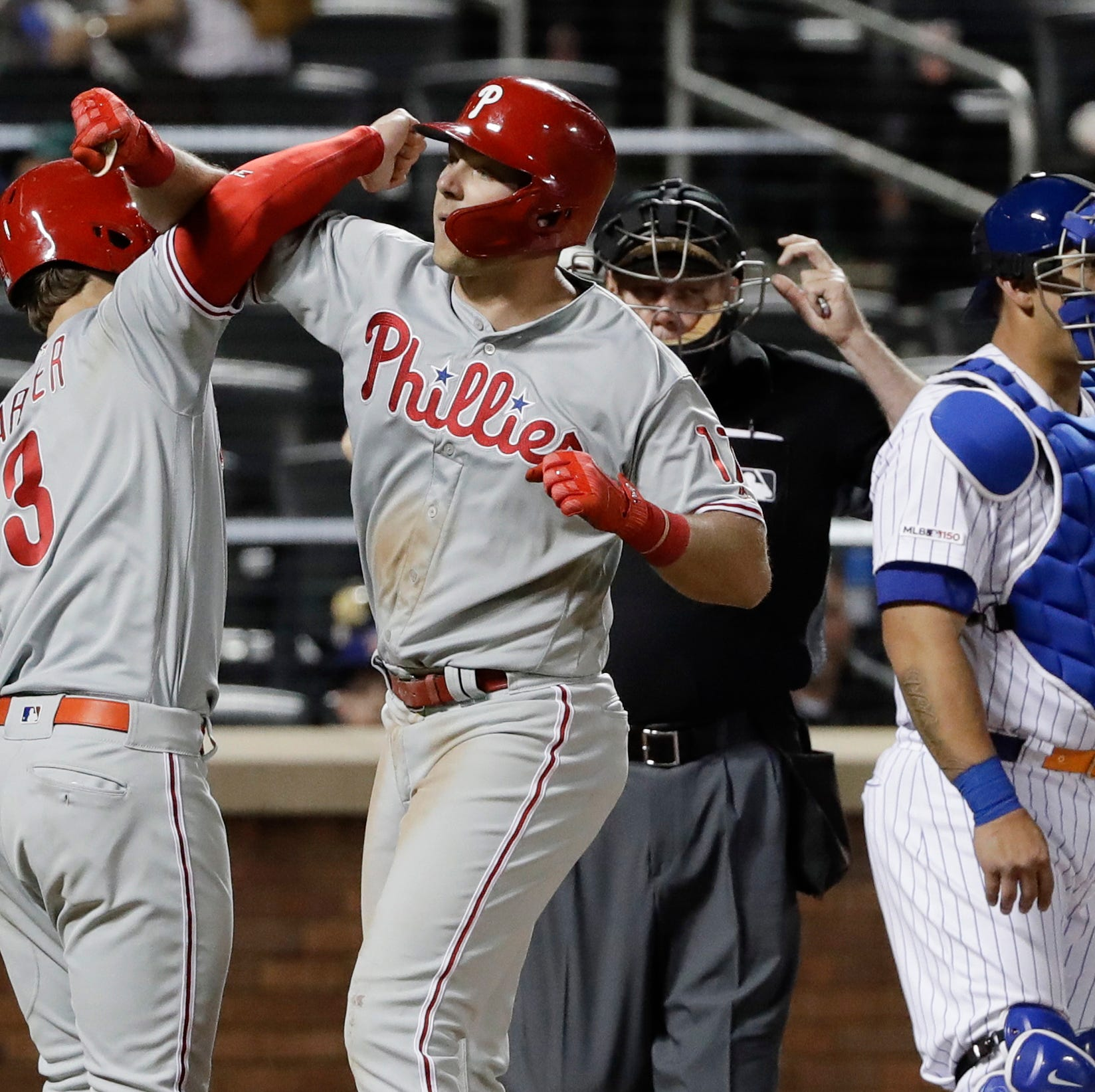Mets fail to complete sweep of Phillies thanks to poor defense