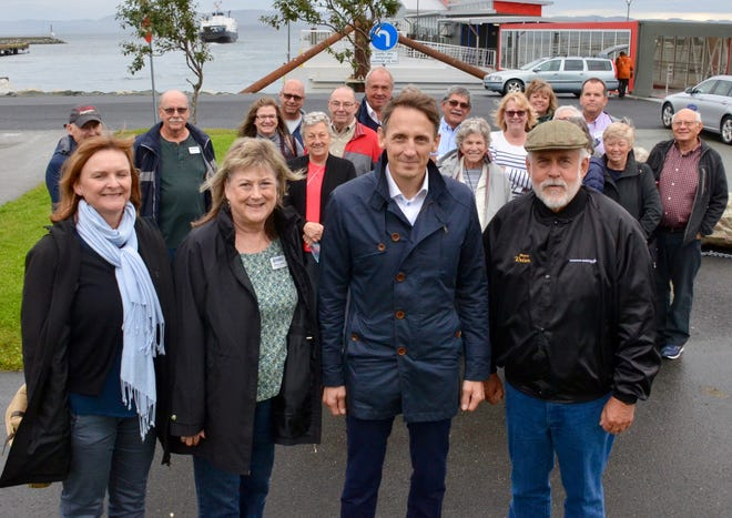 Glendale Mayor Jerry Weiers (right) poses with officials in Ørland, Norway.
