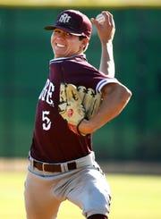 Mountain Ridge High pitcher Zach Martinez (5) throws to Brophy Prep in the third inning on Apr. 24, 2019 in Phoenix, Ariz