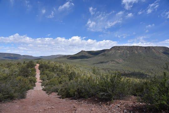 The Cedar Mesa hike features beautiful Mogollon Rim views.