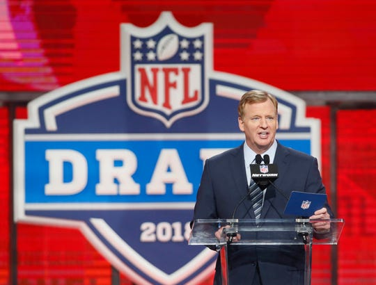 It's expected that NFL commissioner Roger Goodell will announce the Bills' pick at No. 9, but it could happen earlier, or later, depending on what Bills GM Brandon Beane does.