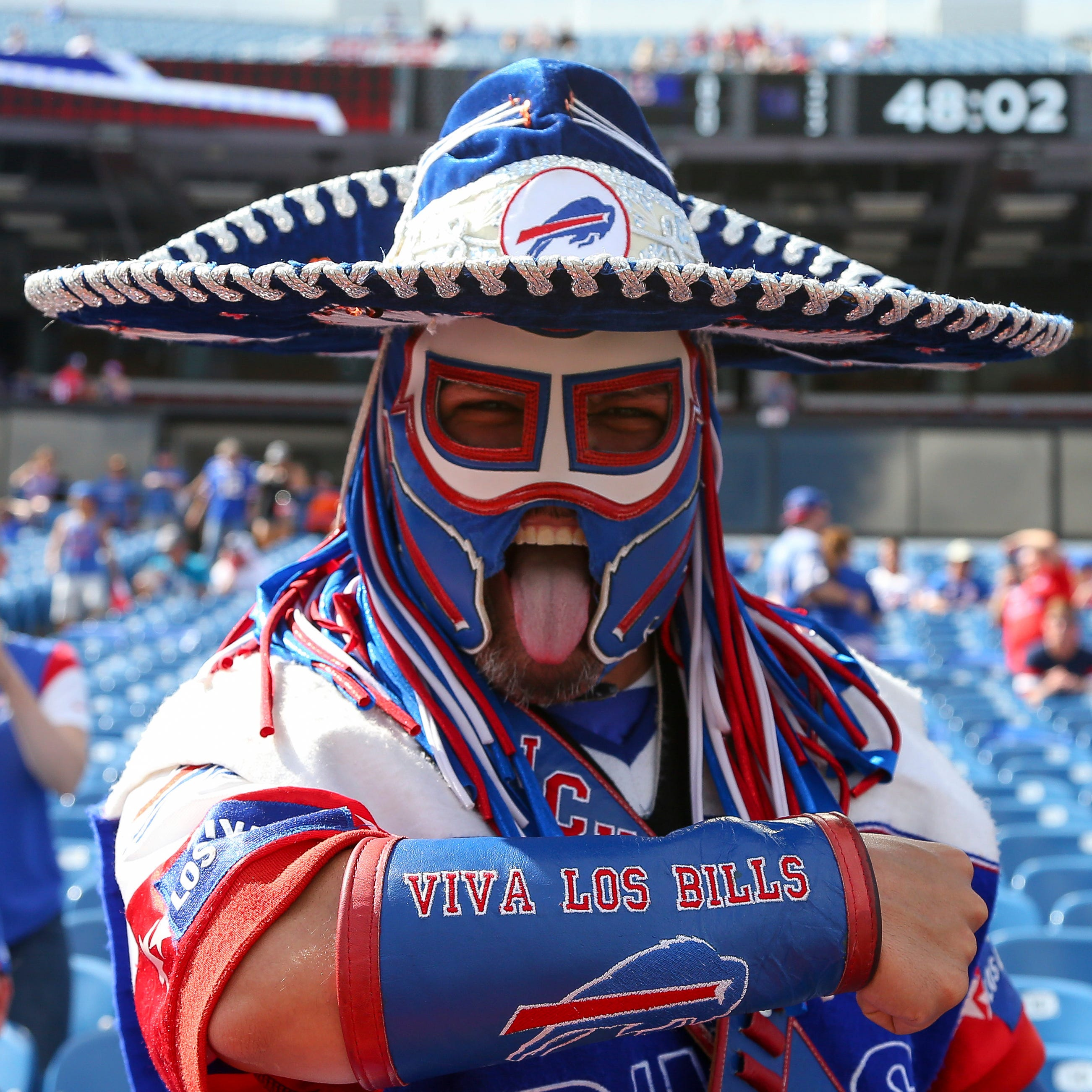 Buffalo Bills players and fans celebrate the life of Pancho Billa on Twitter