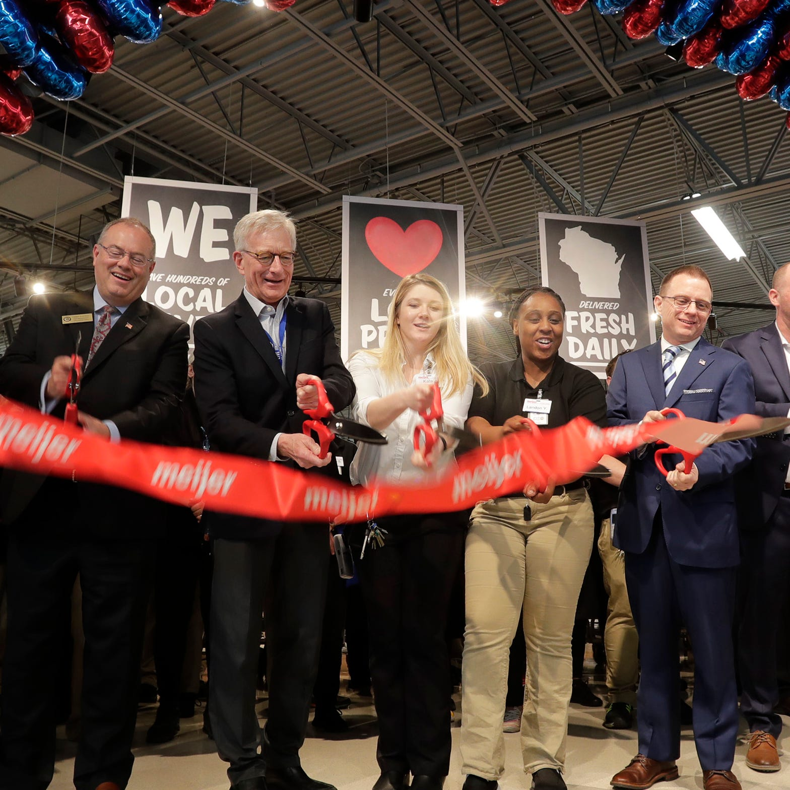 New Sheboygan Meijer store opens offering pharmacy, bank, Starbucks and more | Streetwise
