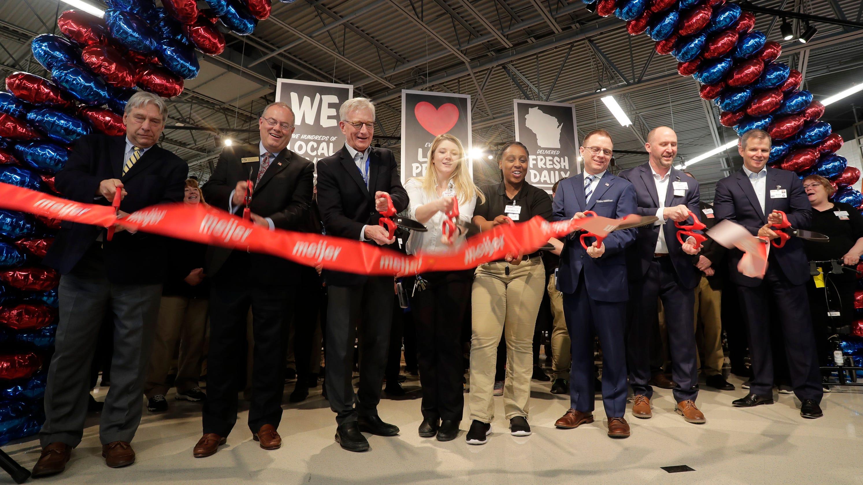 Meijer store in Sheboygan officially open