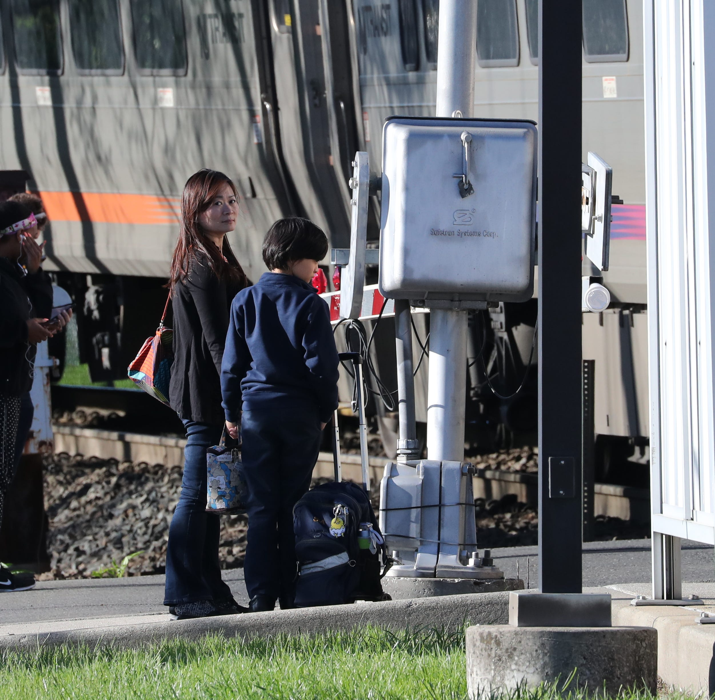 NJ Transit union hits brakes on plan to add engineers on Pascack Valley, Port Jervis lines