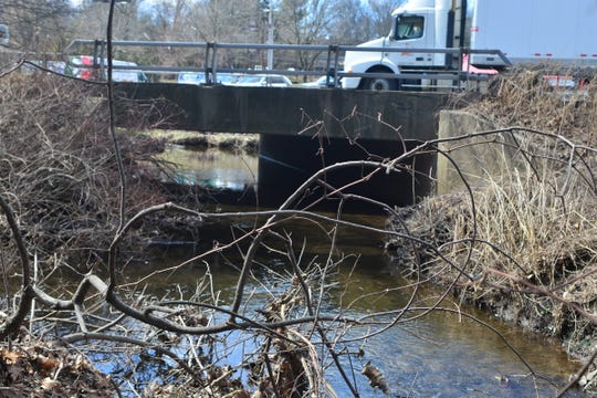 Sparkill Creek cutting under Route 303