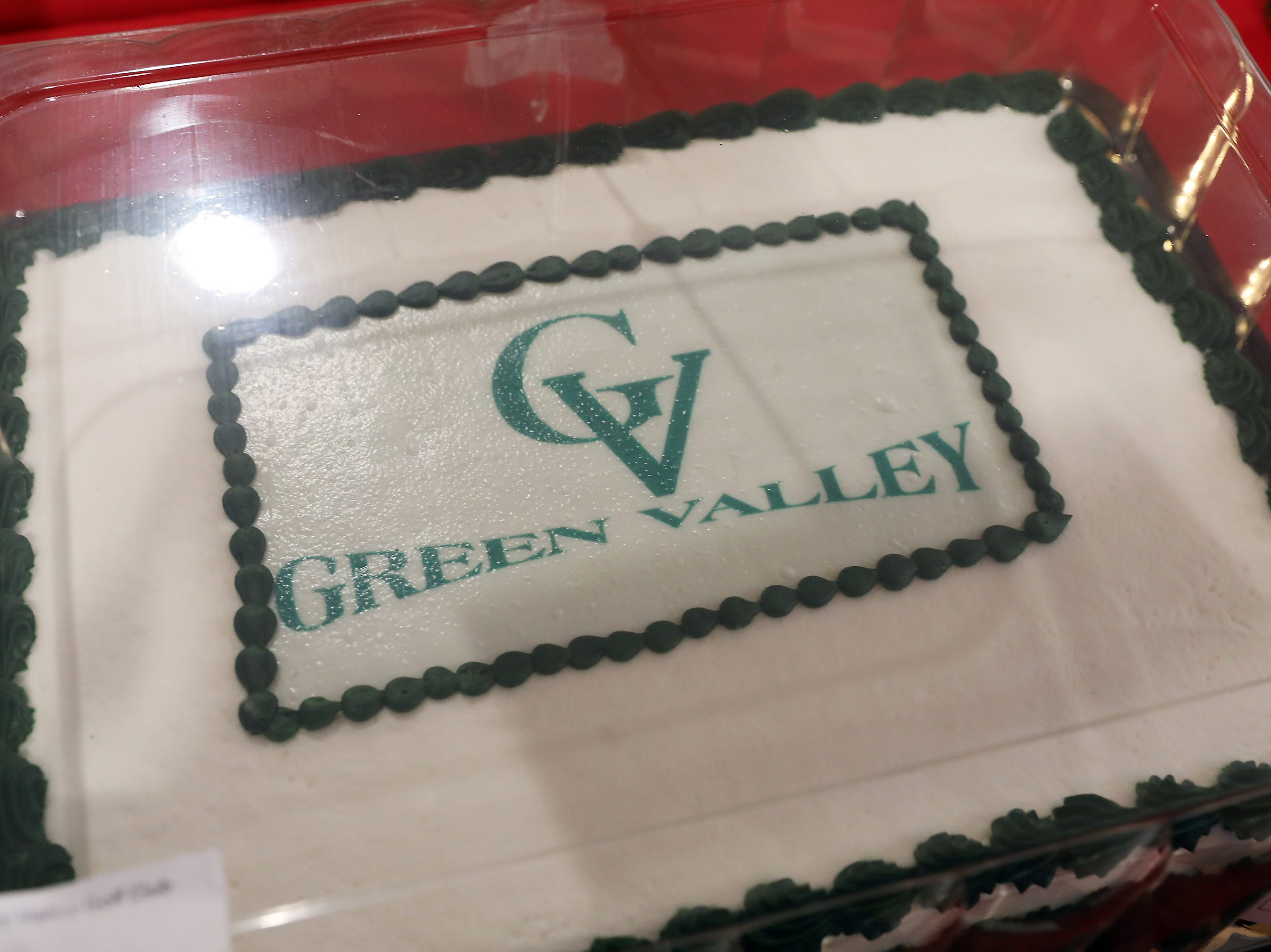 3 P.M. Friday cake 350 Green Valley Golf Club - 4 rounds with cart, lunch, sleeve of balls; $125