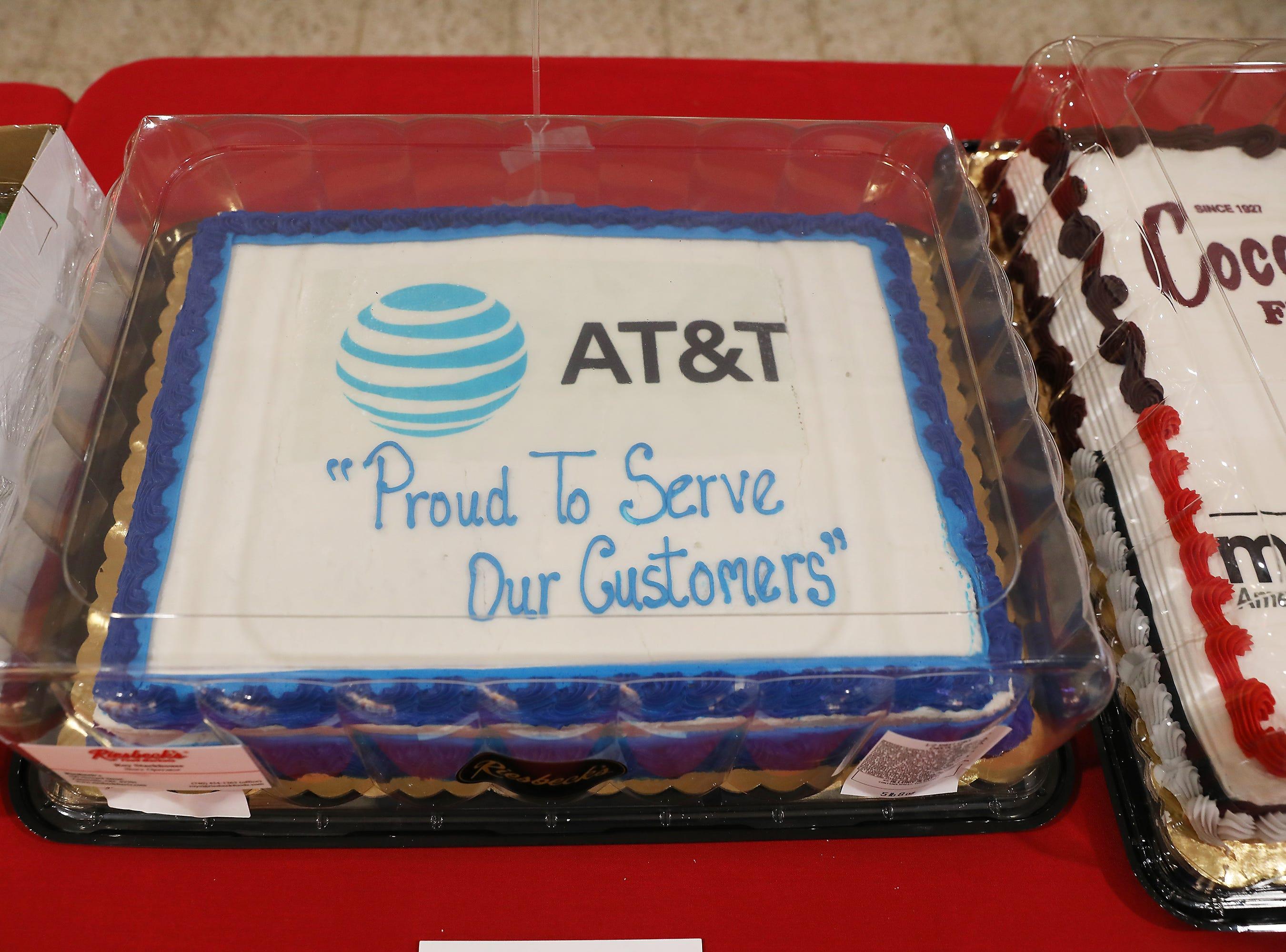4:15 Friday cake 380 AT&T