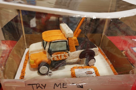 Pete's Towing cake featured four light that came on by pushing a button.