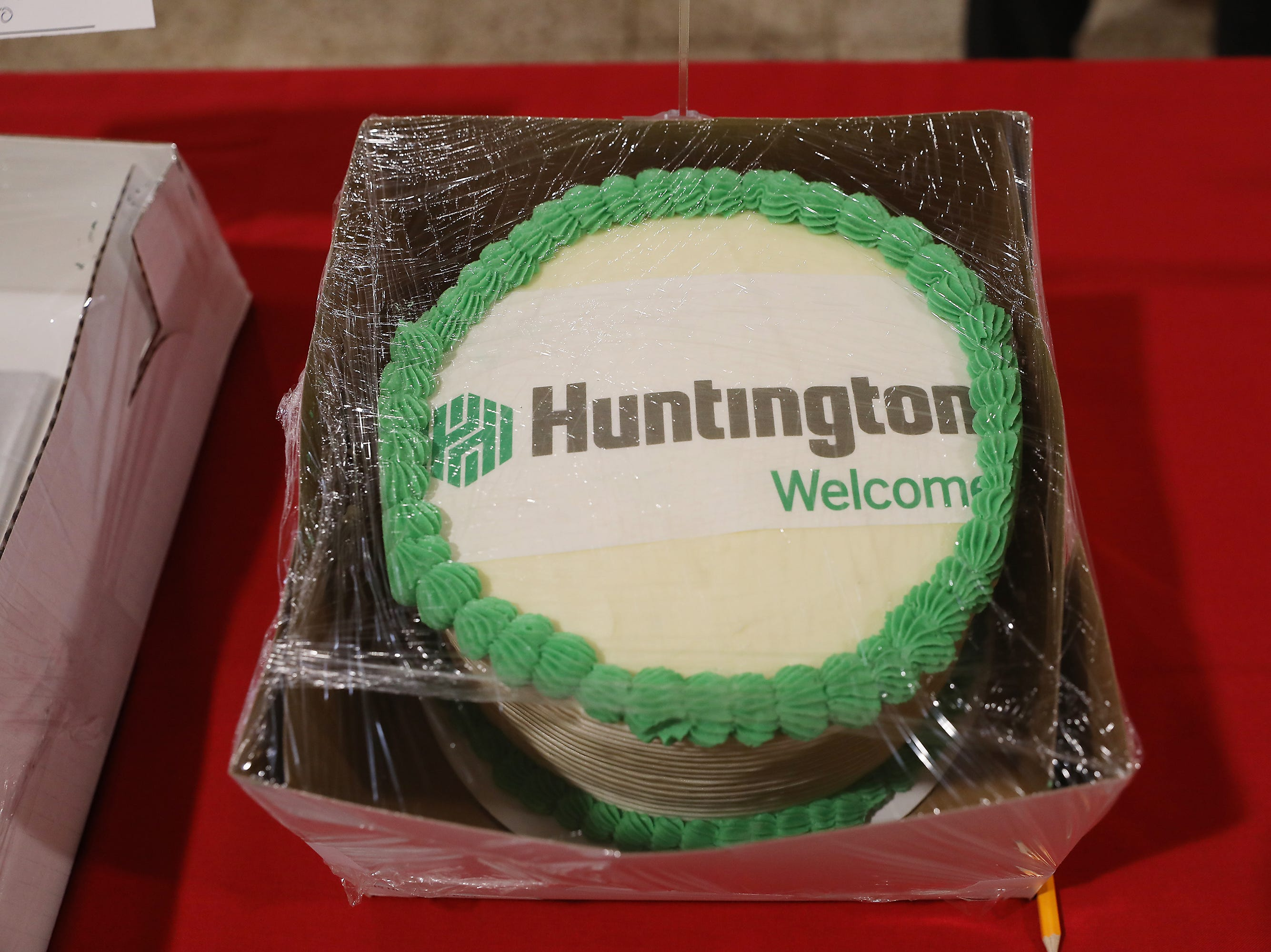 9:45 A.M. Friday cake 245 Huntington Bank - family pass to the Dresden Pool; $300