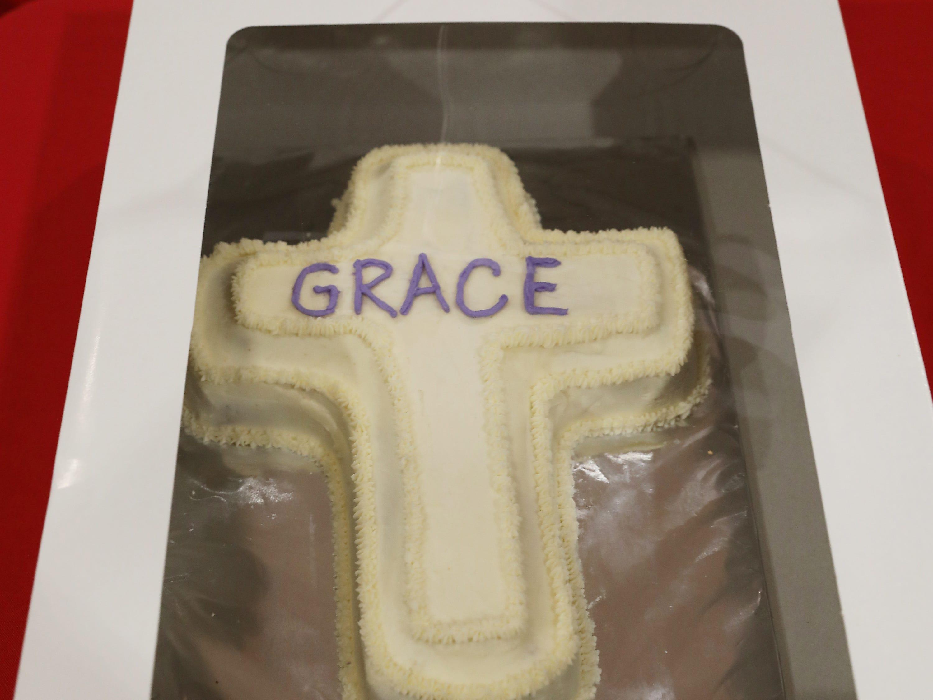 12:45 P.M. Thursday cake 88 Grace United Methodist Church - nativity set, $50 gift cards to Winerak and $50 Giacomos; $175.