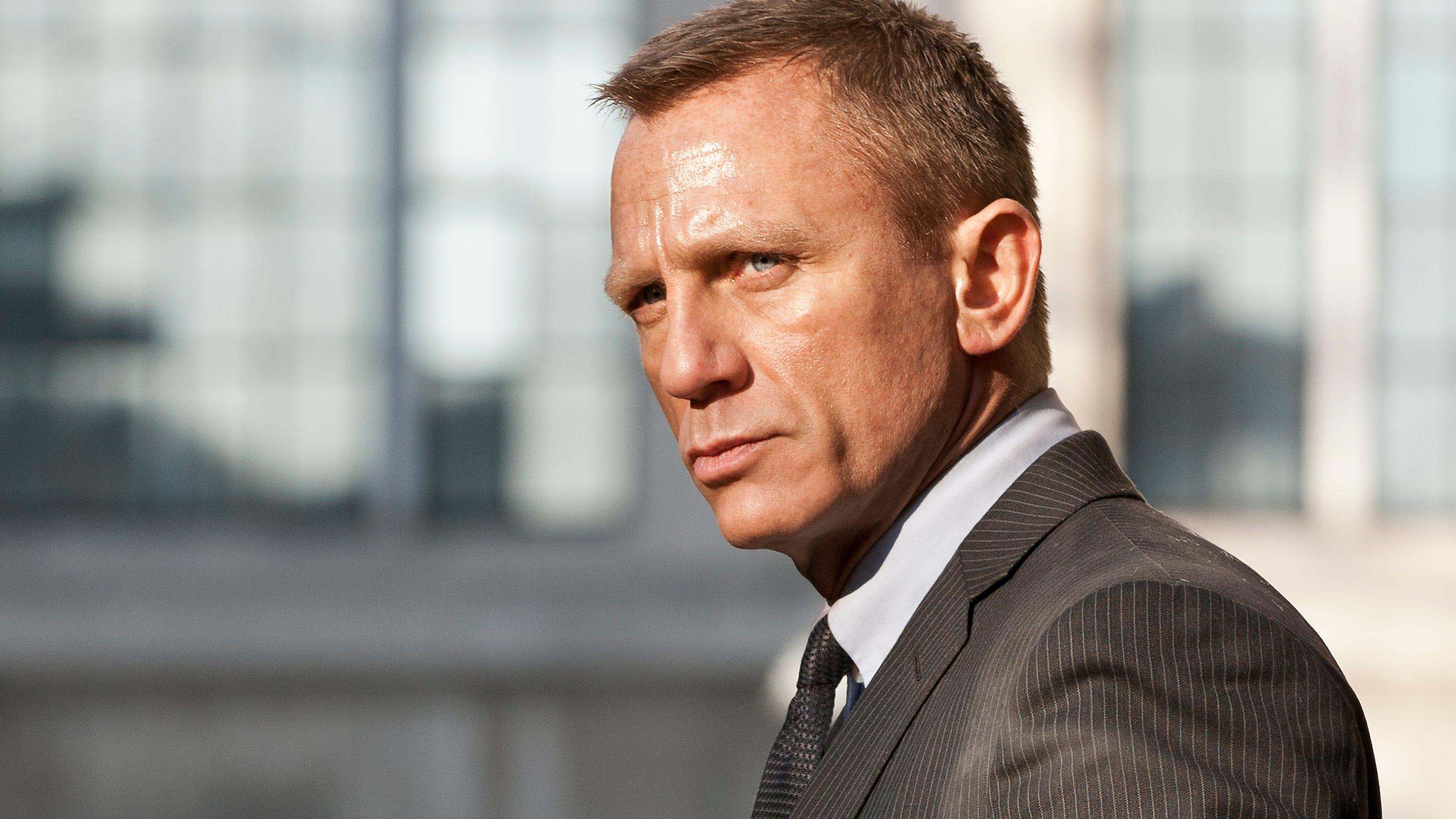 James Bond: All the dr...