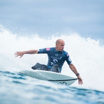 2b5bfd82c625 Slater rises to 14th; Marks retains No. 1 spot on surfing tour