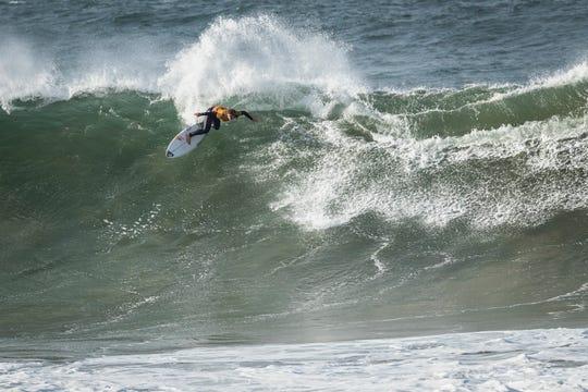 Melbourne Beach native Caroline Marks  advances to the semifinals of the 2019 Rip Curl Pro Bells Beach surf contest in Australia.