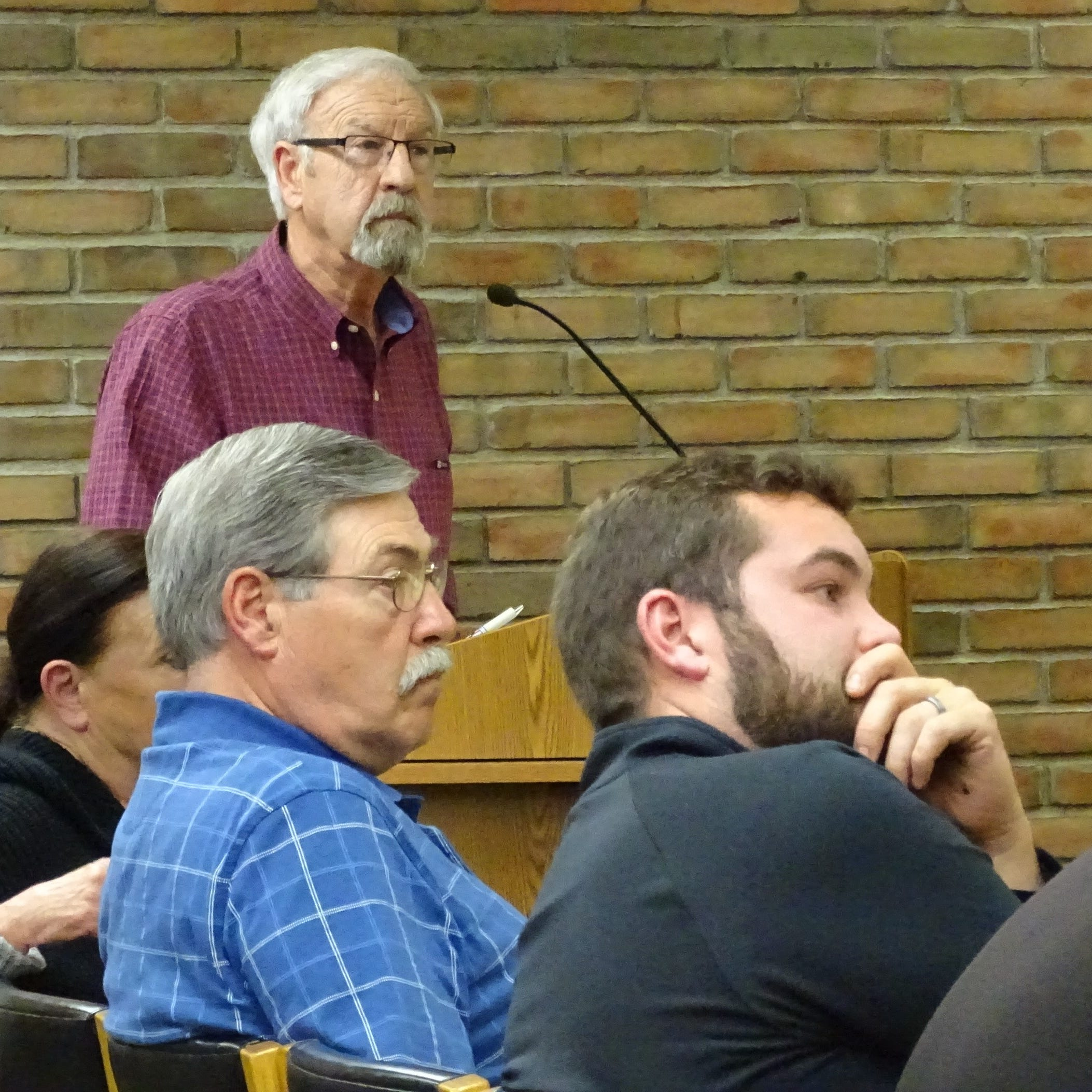 Council reconsiders vacant building ordinance