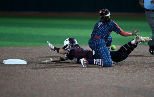 Calallen faces Veterans Memorial in a softball game, Thursday, April 25, 2019, at Cabaniss Softball Field.