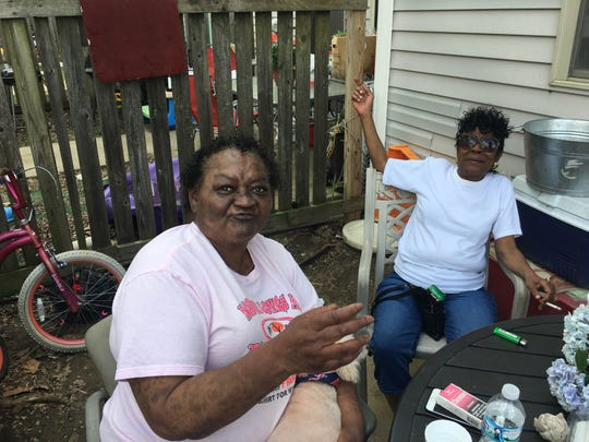 Gwendolyn Gill, left, visiting her aunt in the West End