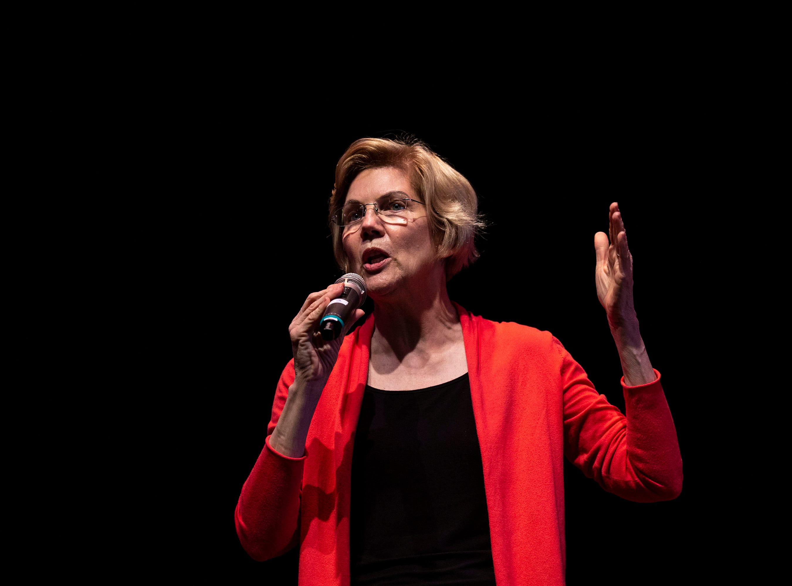 U.S. Sen. Elizabeth Warren, D-Mass., gives her stump speech and answers questions from the audience during a Linn Phoenix Club meet and greet on Thursday, April 25, 2019, in Cedar Rapids.