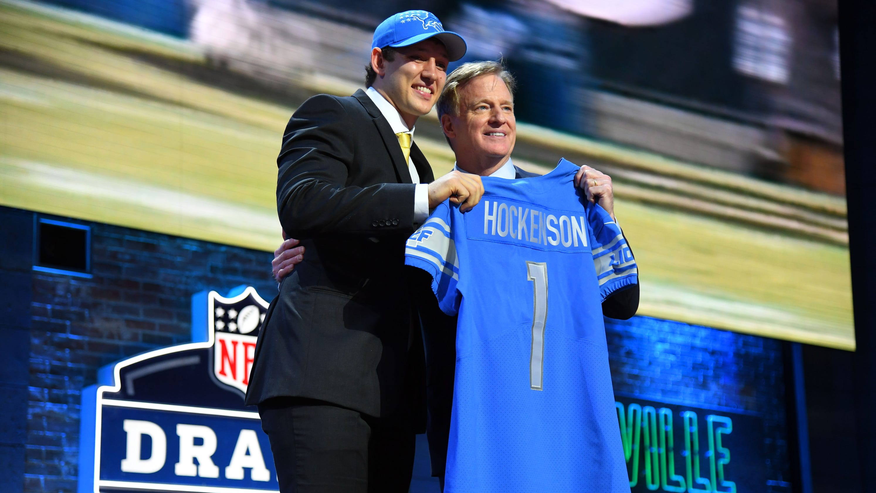 80a2c5d59 T.J. Hockenson works for Detroit Lions. But defense would have been nice
