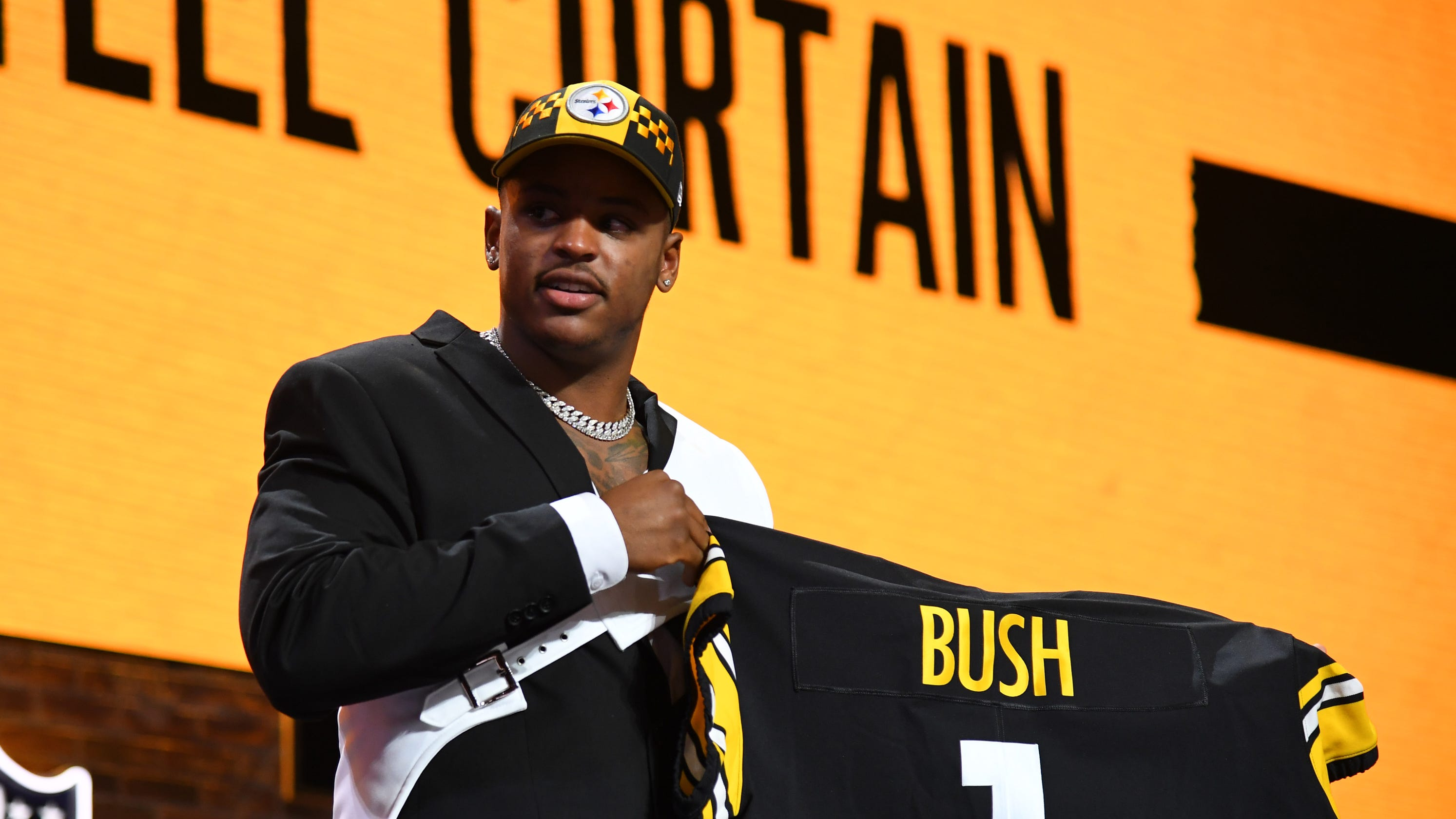 b240044aa Michigan s Devin Bush Jr. exactly what Steelers wanted
