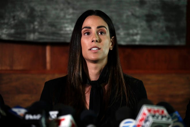 Former sports reporter Kelli Tennant filed a lawsuit against new Kings coach Luke Walton, claiming he attacked her.