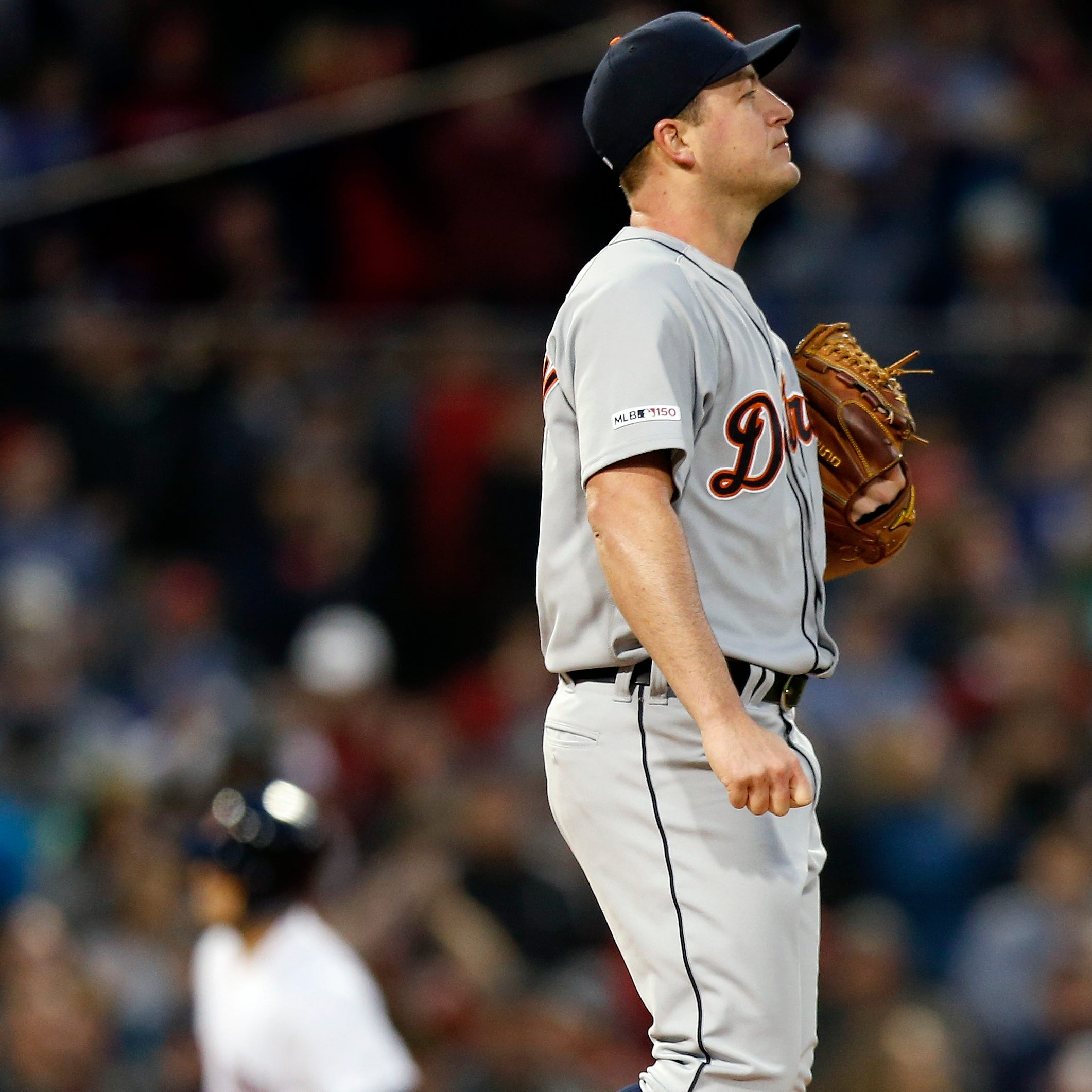 Jordan Zimmermann leaves with elbow pain, Tigers dealt another 'tough blow'