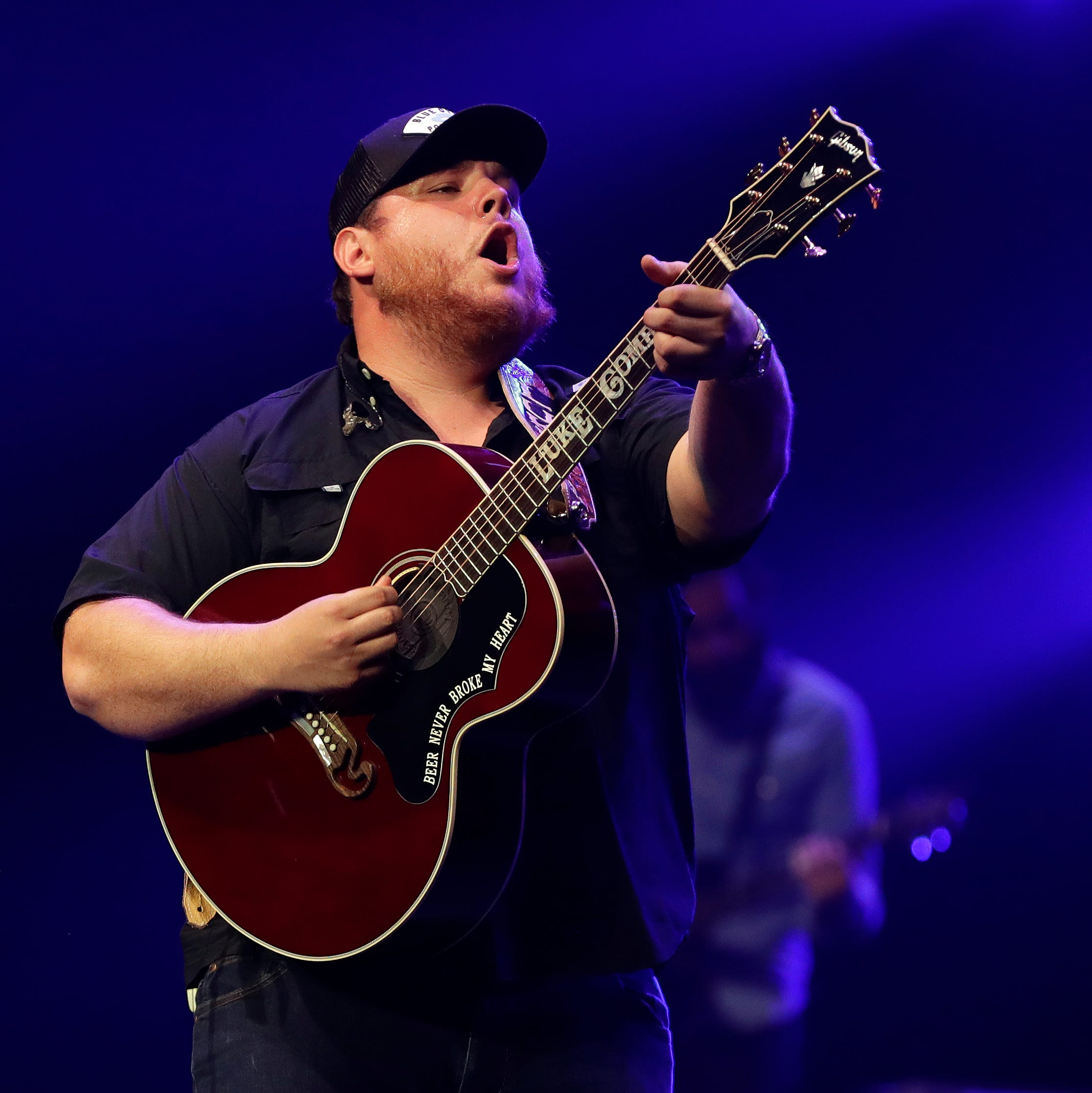Rising country star Luke Combs is the genuine article at sold-out Resch Center show