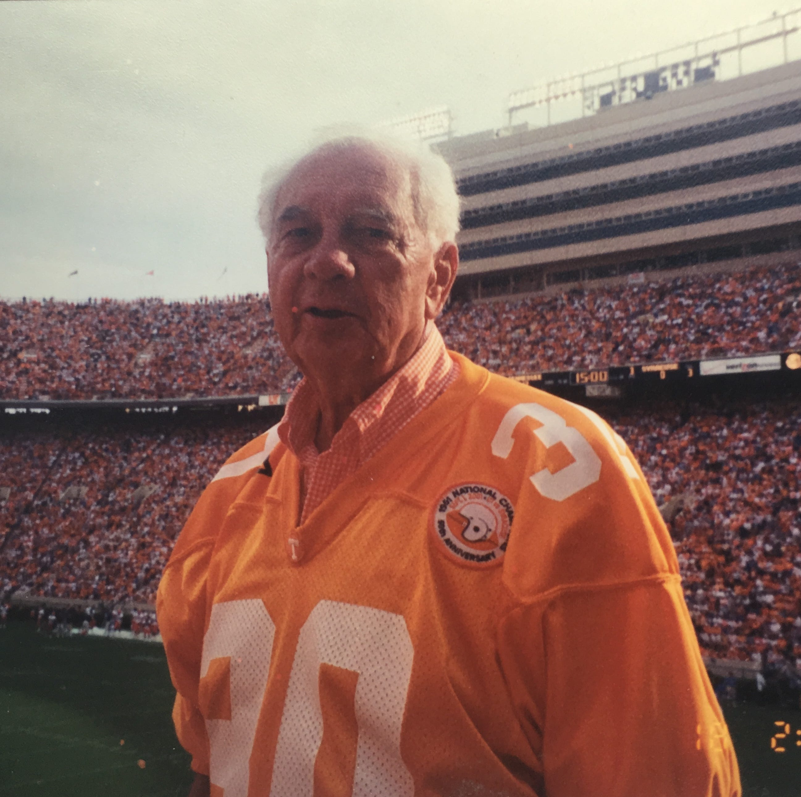 Ollie Keller, member of Tennessee football's 1951 national championship team, dies at 90