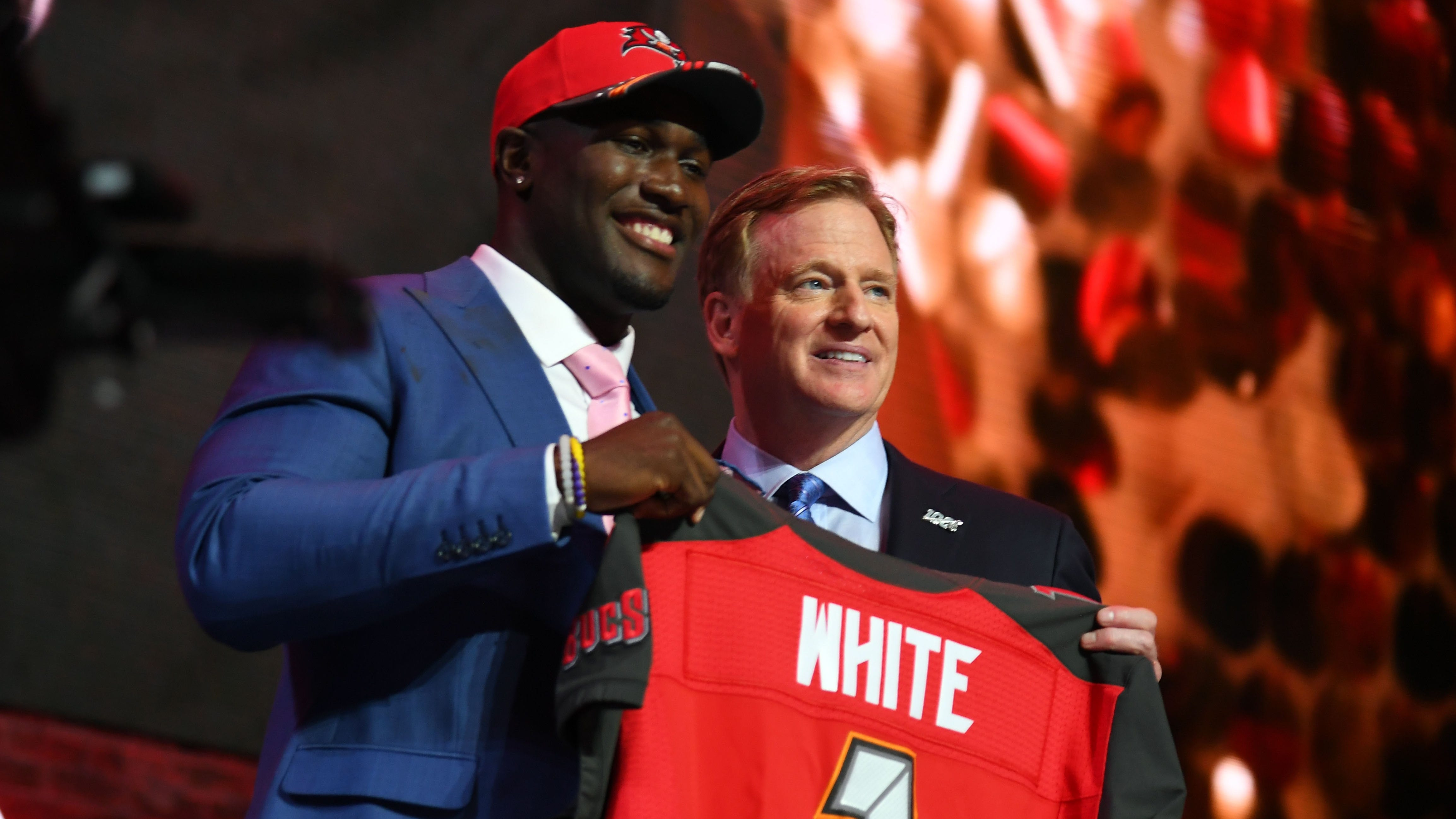 Tampa Bay makes LSU's Devin White the 1st linebacker taken in 1st round top 5 since 2015