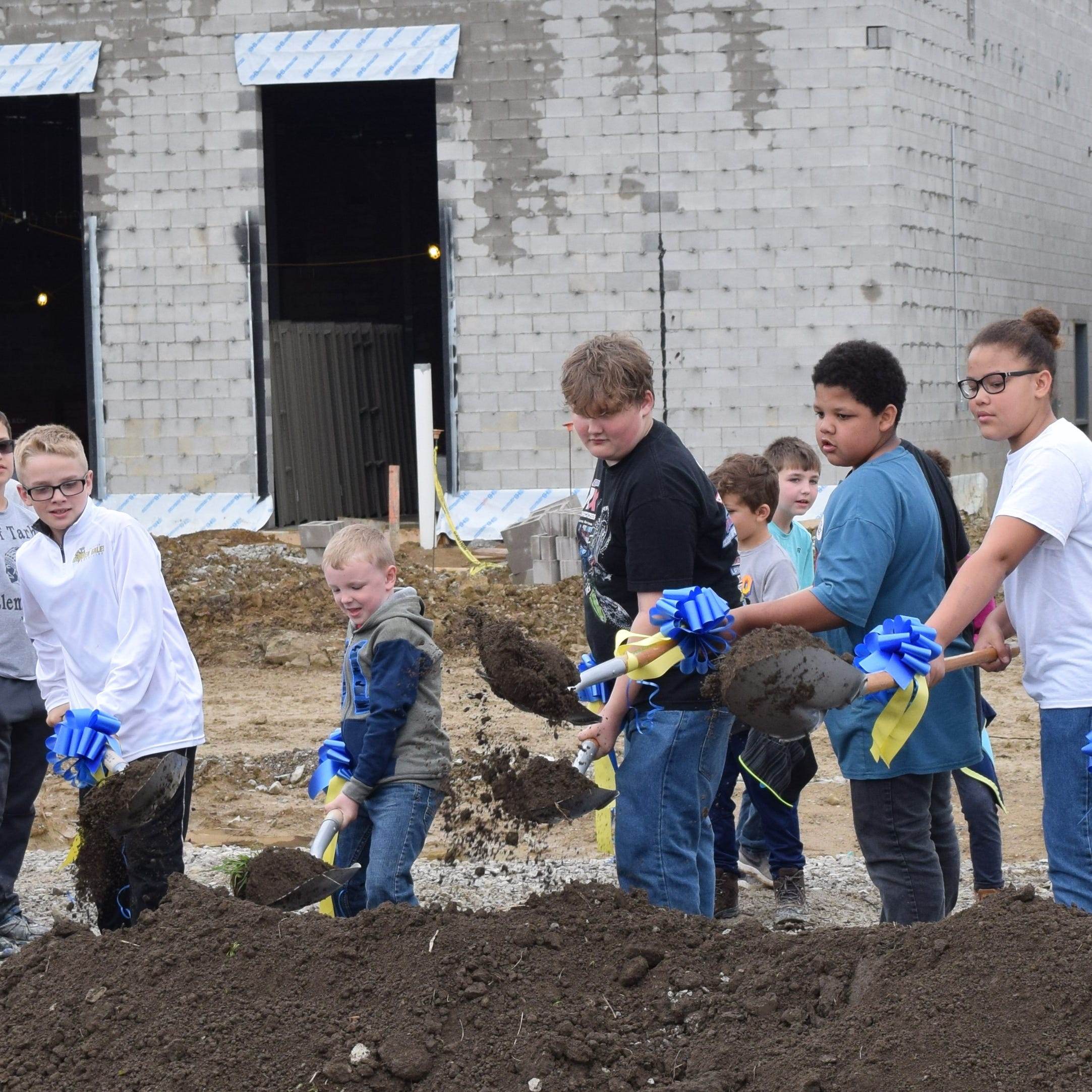 Lancaster schools celebrate new junior high with groundbreaking ceremony