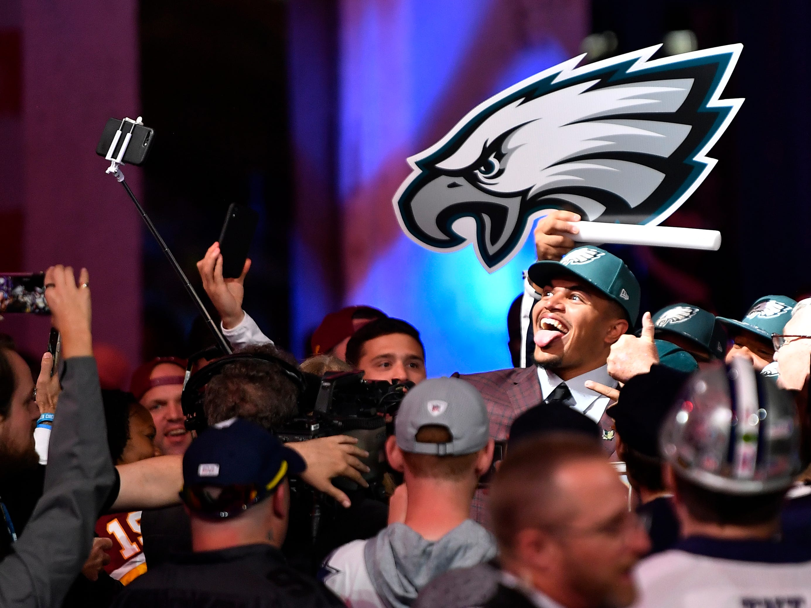 Eagles pick Andre Dillard mingles with fans after he was chosen during the first round of the NFL Draft Thursday, April 25, 2019, in Nashville, Tenn.