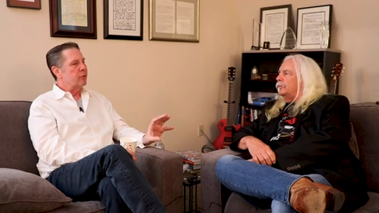 Don Von Tress, right, talks to Bart Herbison about songwriting.