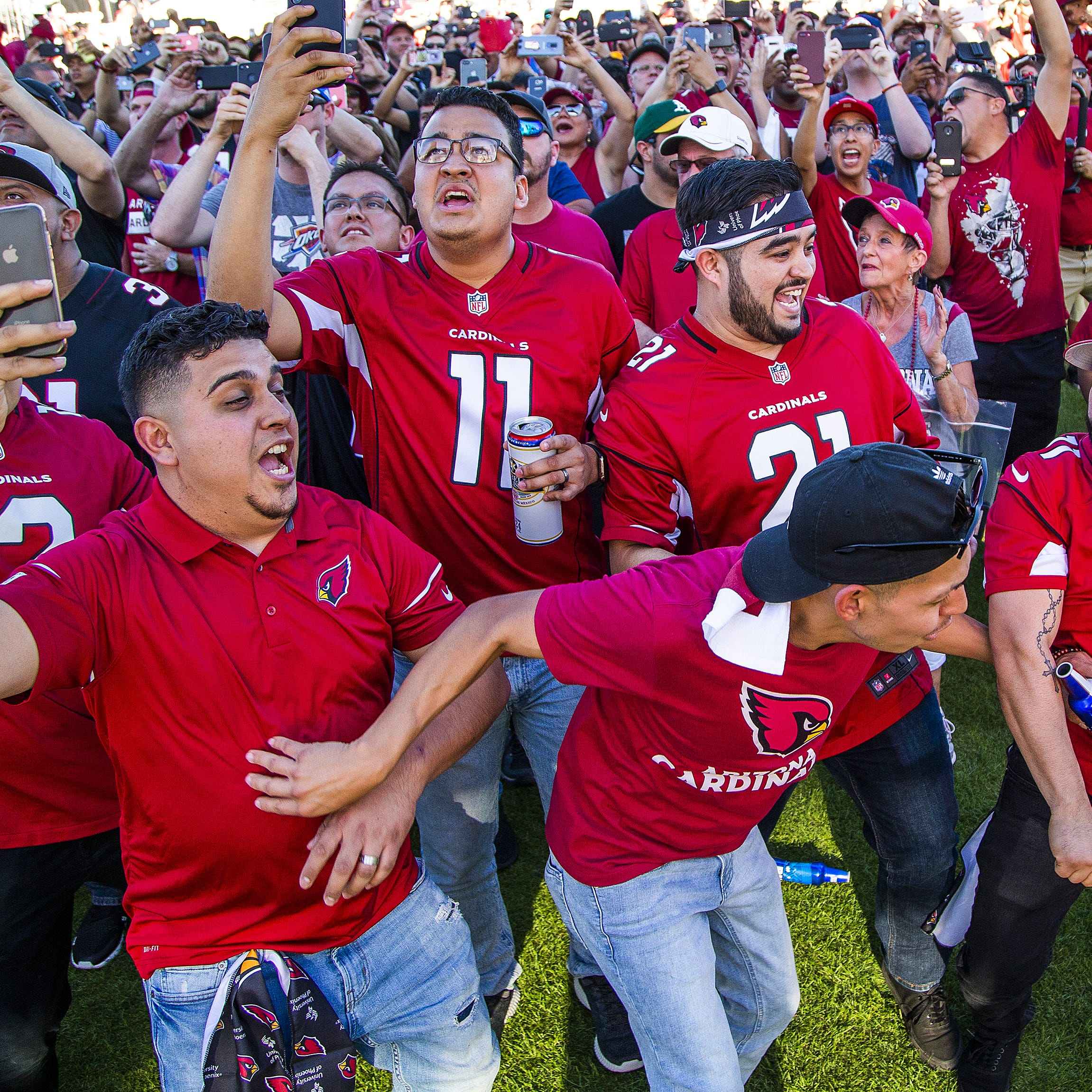 Kyler Murray vs. Josh Rosen: Arizona Cardinals fans were split at draft party