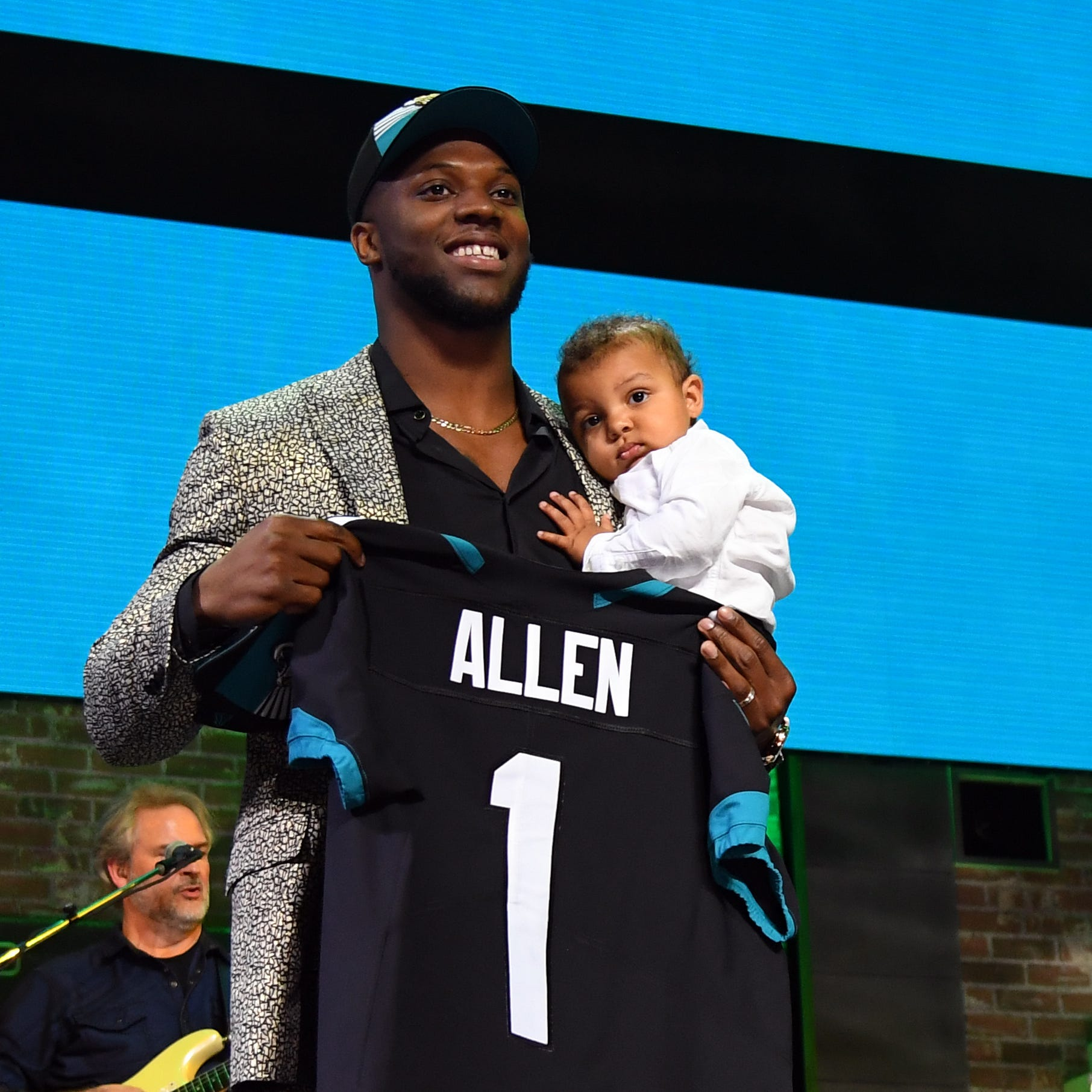 2019 NFL Draft: Jacksonville Jaguars take Josh Allen with 7th overall pick in first round