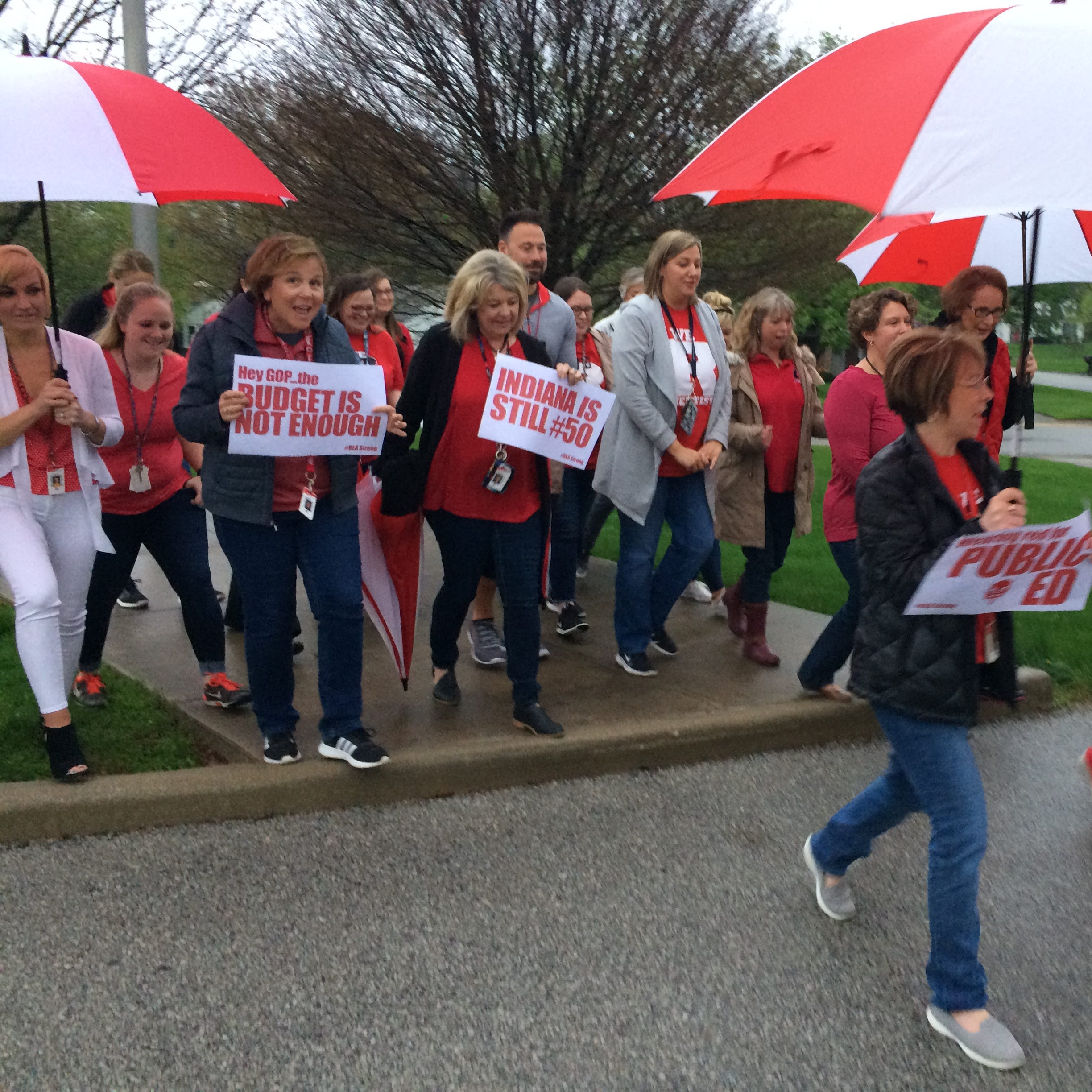 Richmond educators walk-in to protest legislature's budget decisions on teacher pay