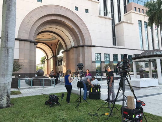 Scene from the Palm Beach County Courthouse before the Robert Kraft video suppression hearing April 26, 2019.