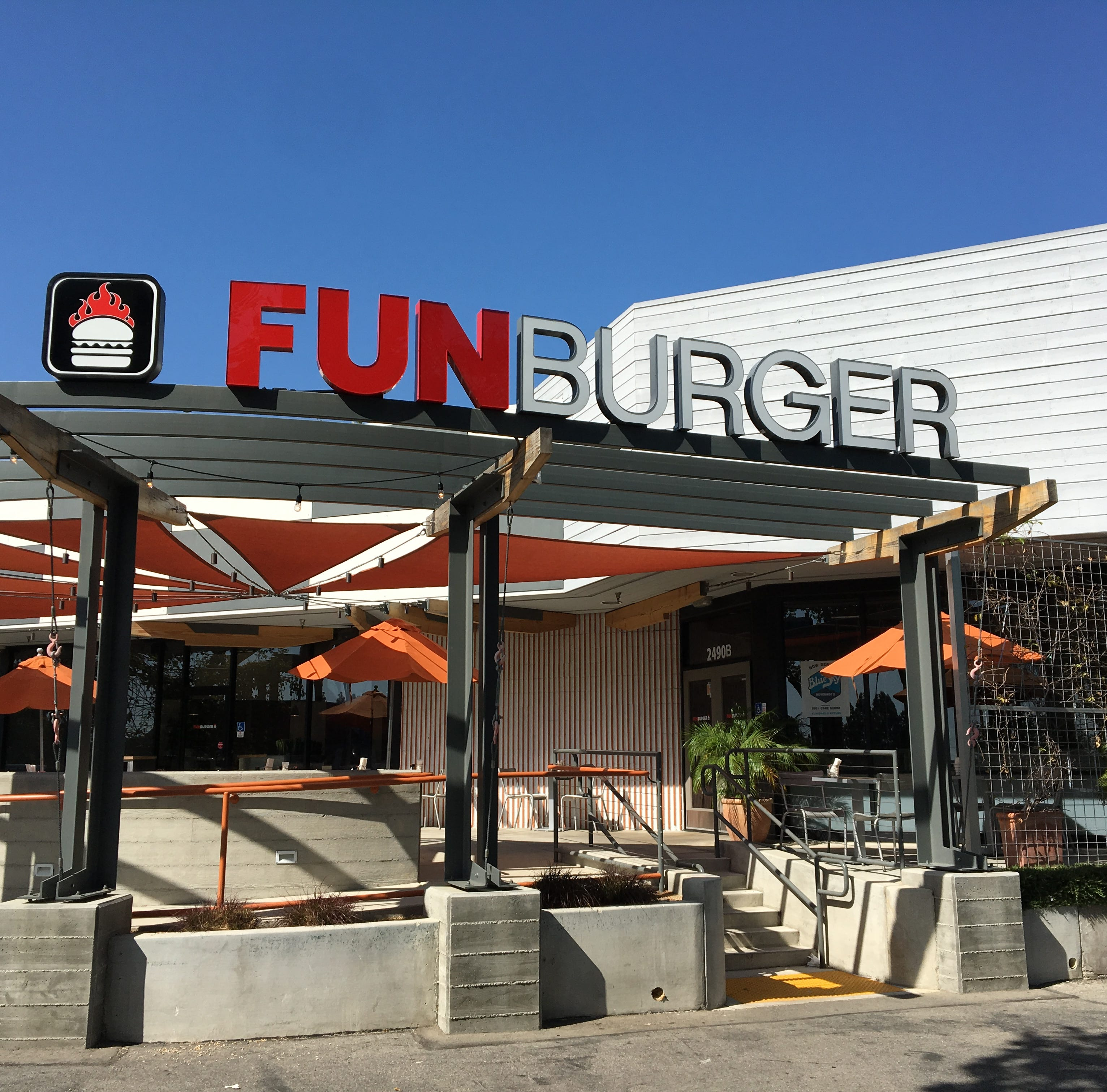 Open and shut: Fun Burger keeps it off the hook in Simi Valley