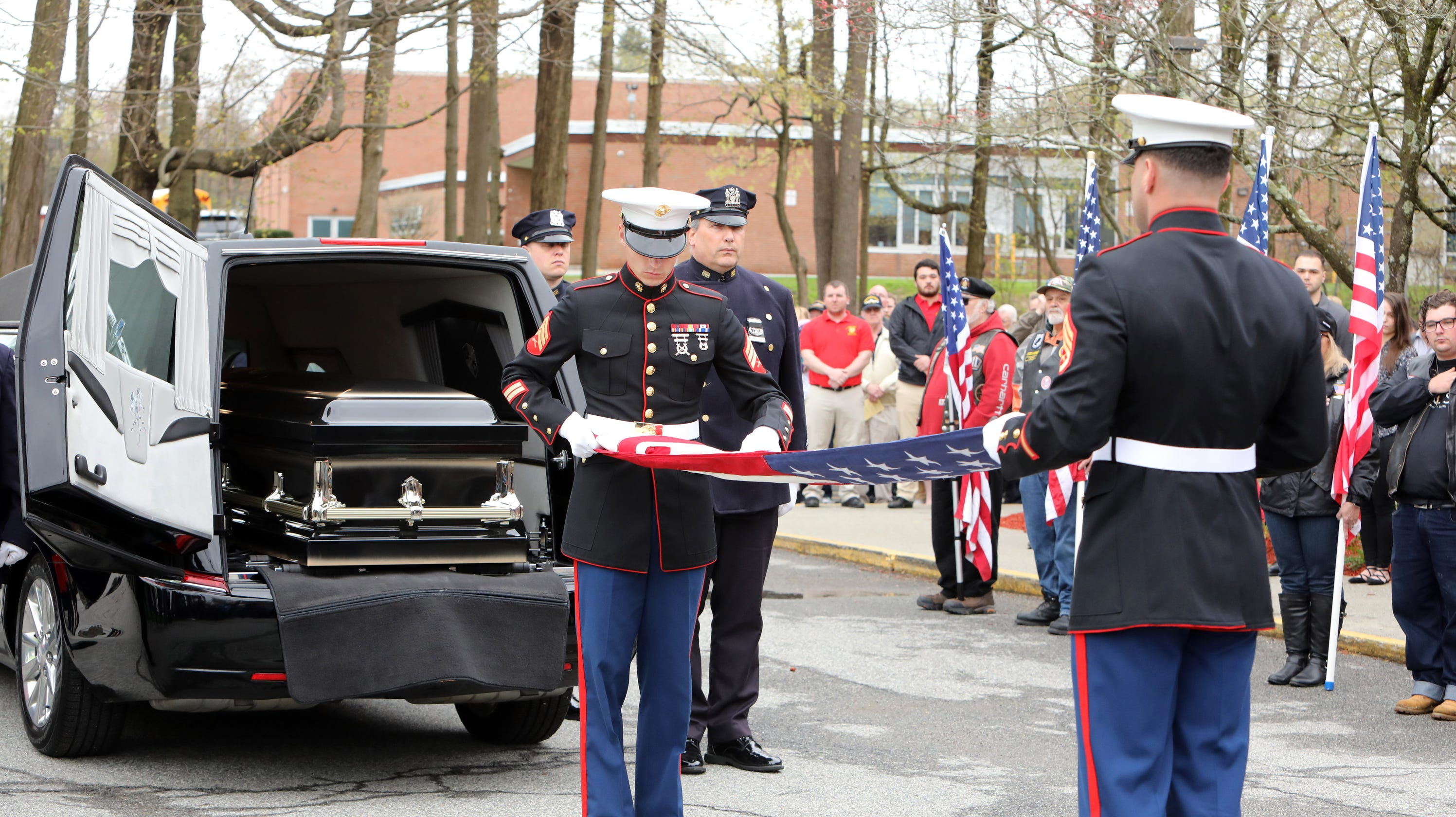 Hundreds turn out for hero's funeral in Yorktown, N Y , for WWII
