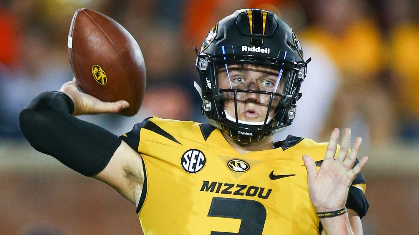 NFL mock draft for second round: Could Patriots look at QBs, potentially Drew Lock or Ryan Finley?