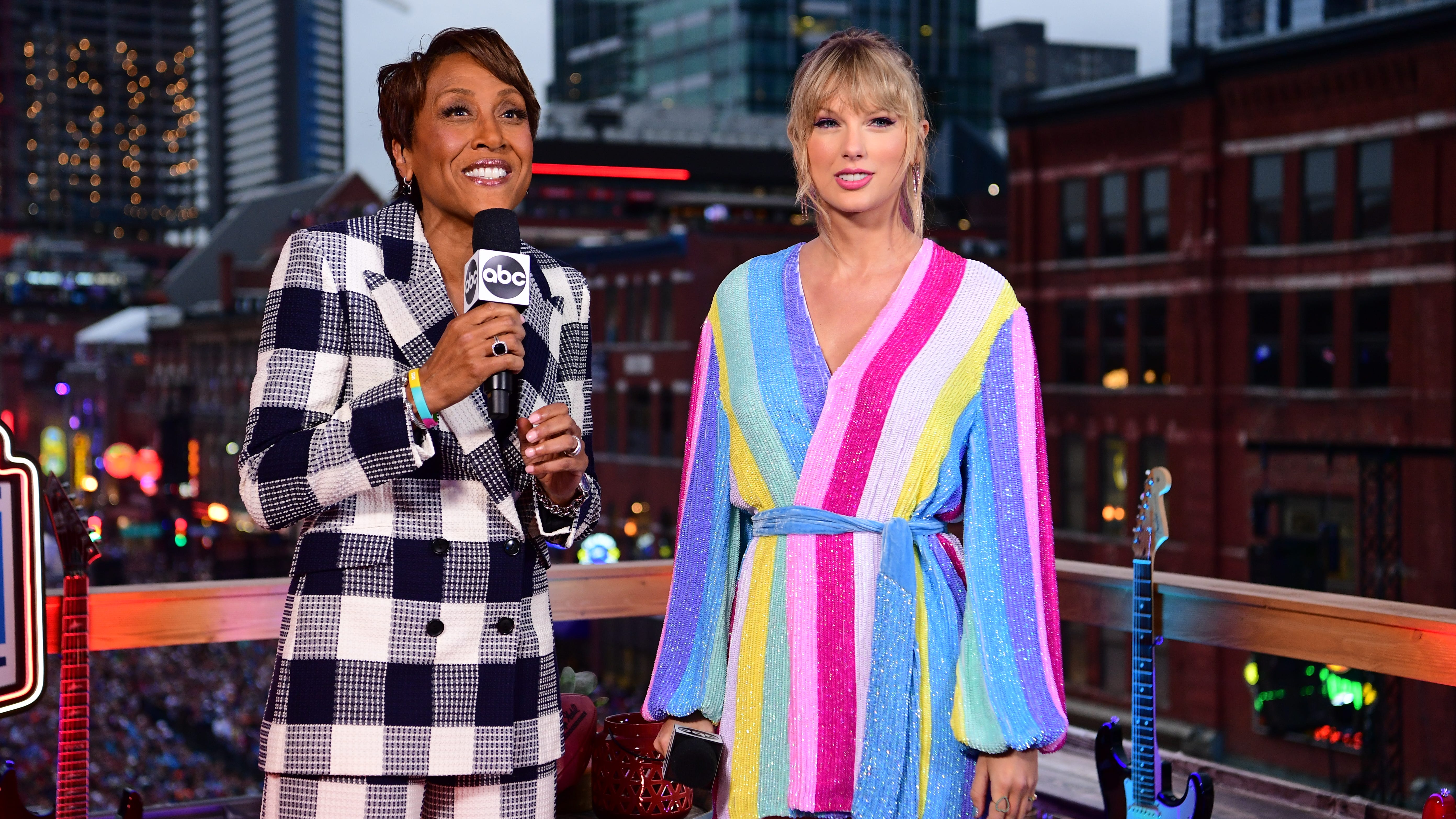 Taylor Swift, right, joins ABC's Robin Roberts during the 2019 NFL Draft.