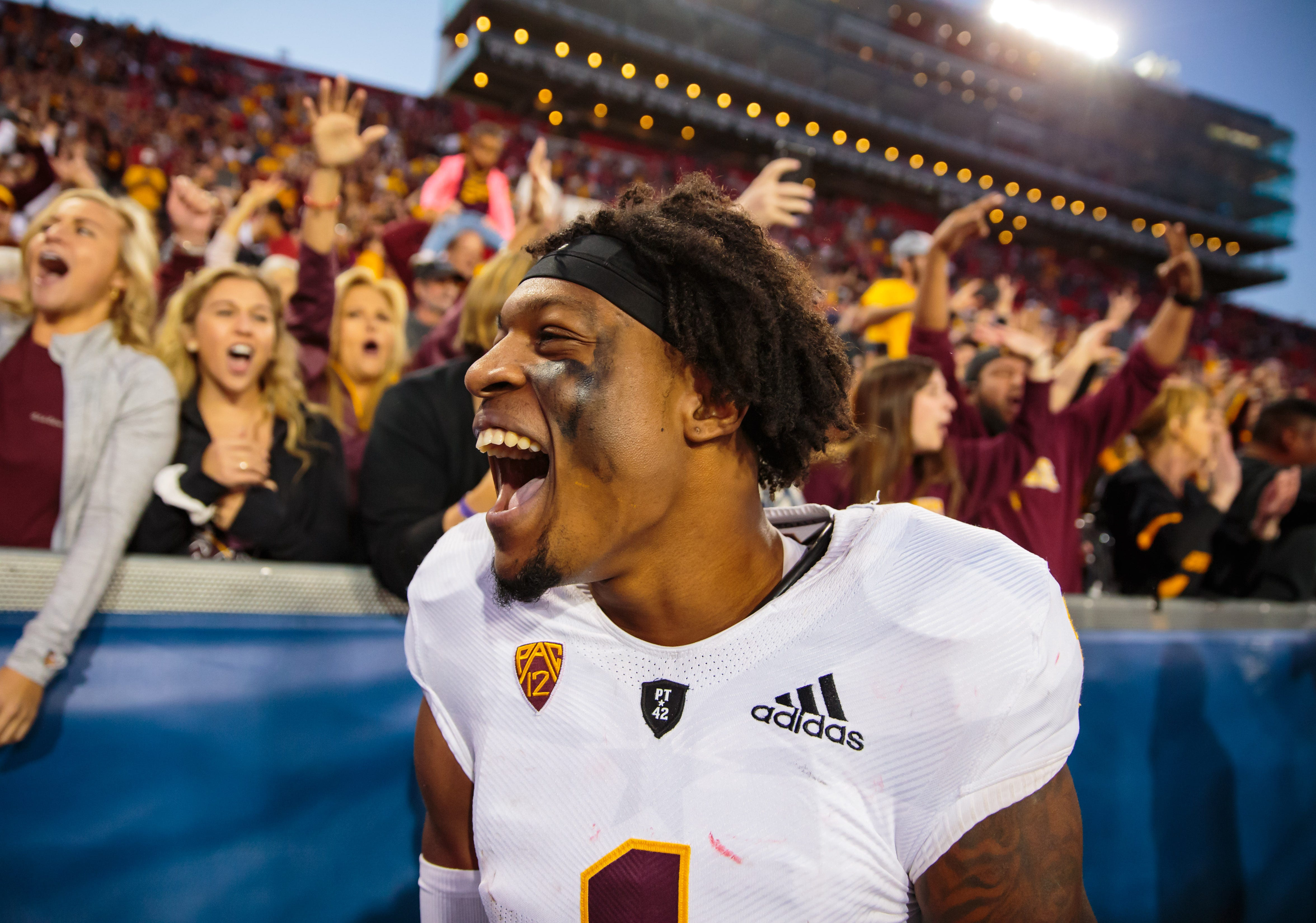 Patriots pick receiver N'Keal Harry in NFL draft first for Bill Belichick