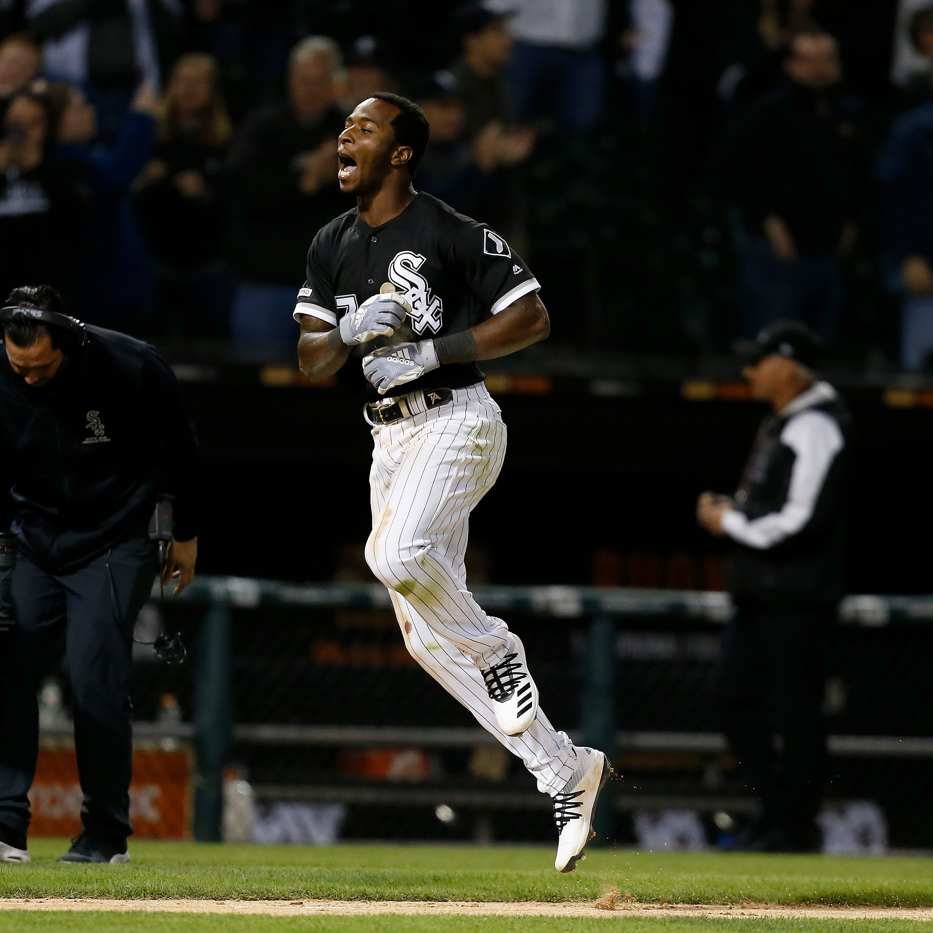 'A circus': Tigers blow 7-run lead, lose 12-11 slugfest to White Sox on walk-off HR