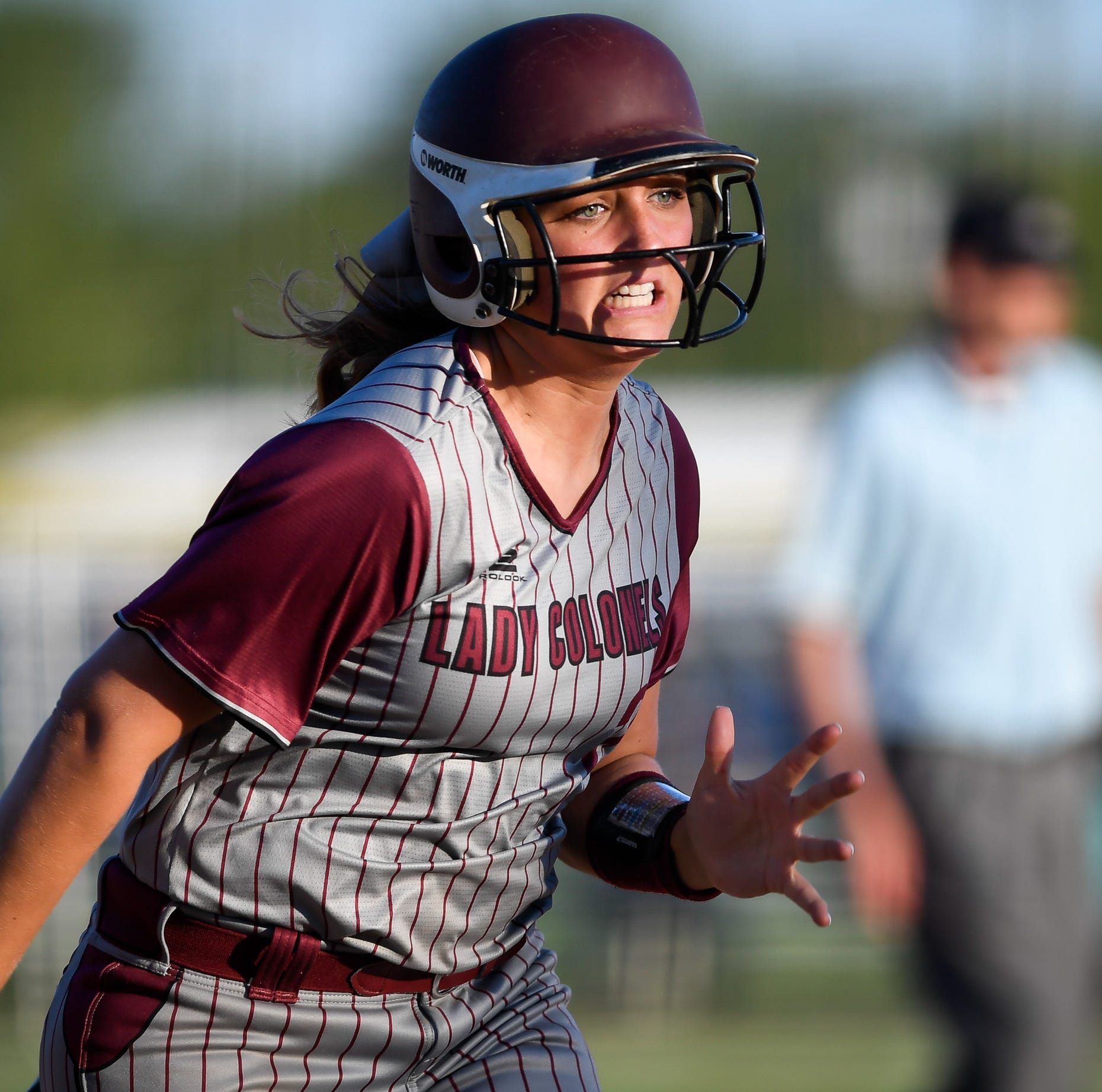 Hattie Hartman leads Henderson's bomb squad in 14-4 win over Union in district opener
