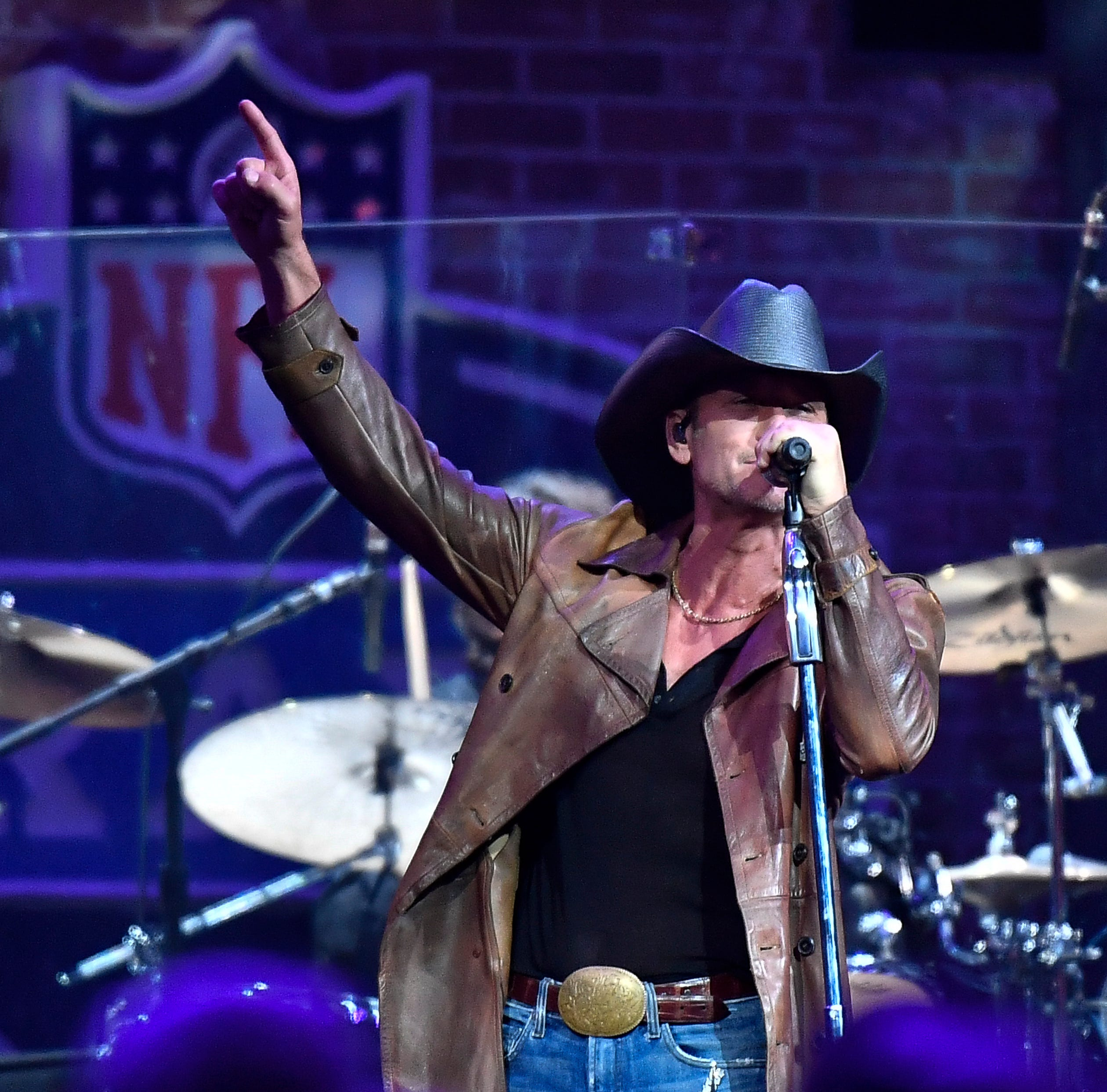 Tim McGraw tosses a country music touchdown at the NFL Draft in Nashville