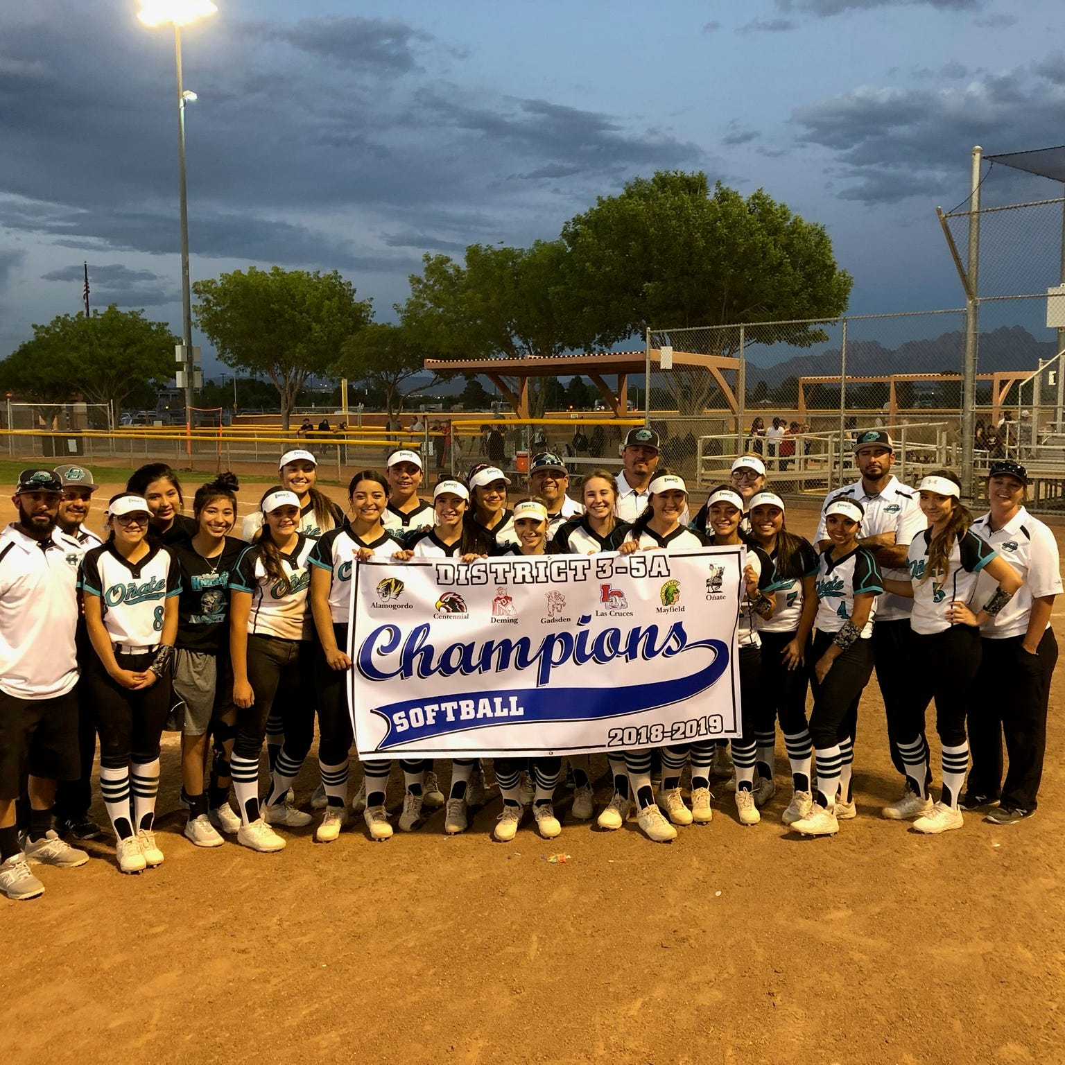 Oñate softball clinches District 3-5A championship