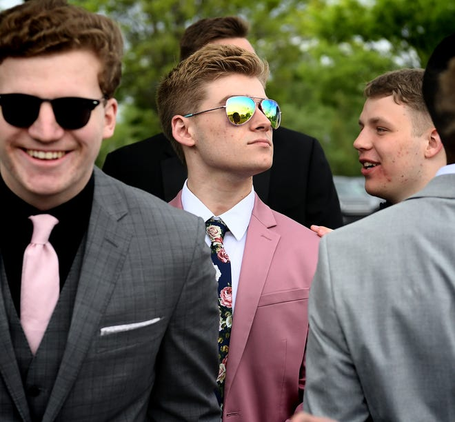 Students attend the Northeastern High School Prom at Out Door Country Club Friday, April 26, 2019. Bill Kalina photo