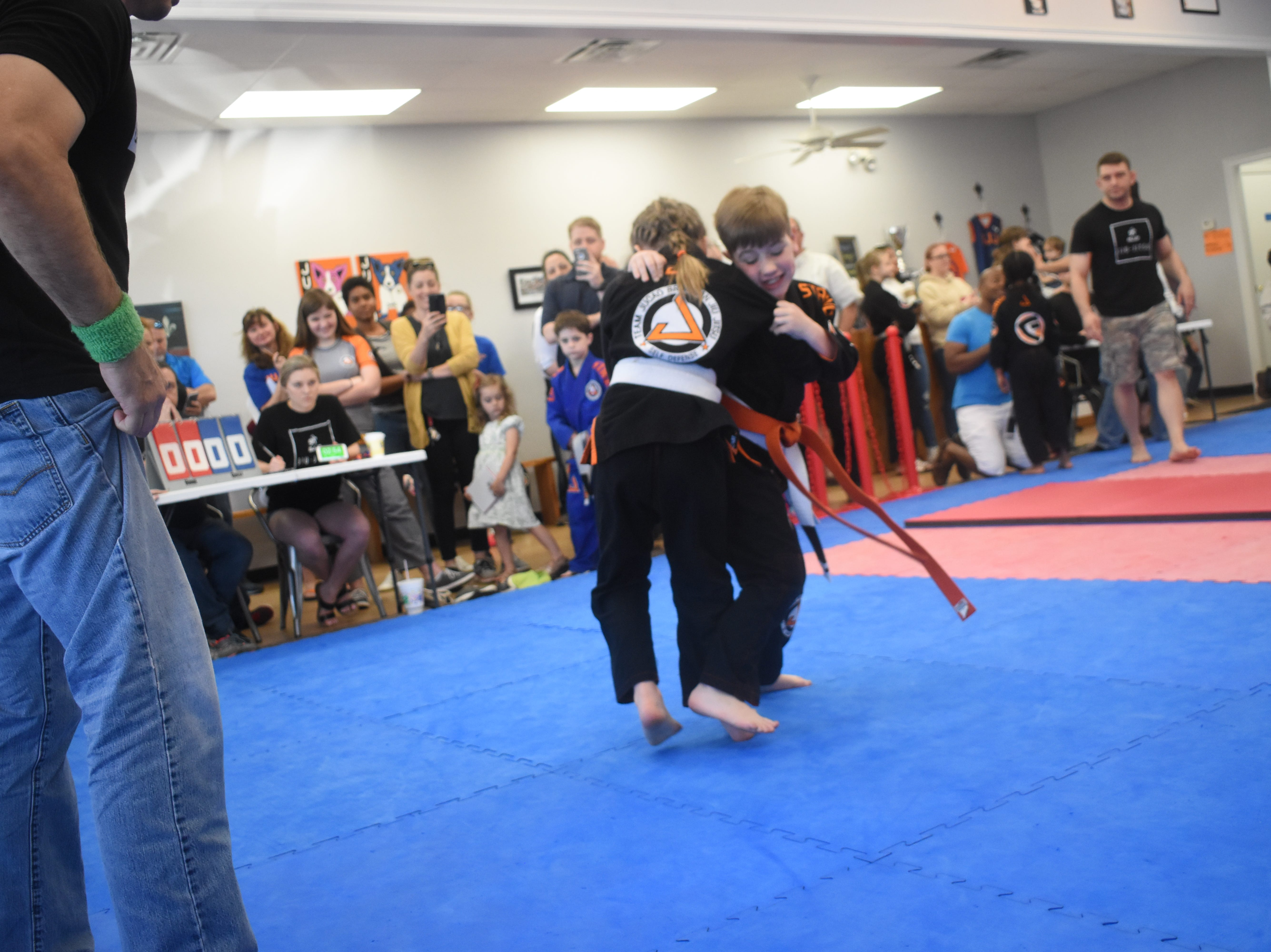 Over 53 competitors ages 5-15 competed in the first inter-school youth Brazilian Jiu Jitsu Tournament to be held in Central Louisiana at the Gracie United-Team Jucao Alexandria location on Metro Drive. Team Juc‹o Alexandria; Gracie United - Team Juc‹o Red River in Ball; and and Gracie United - Team Juc‹o in Leesville were represented.