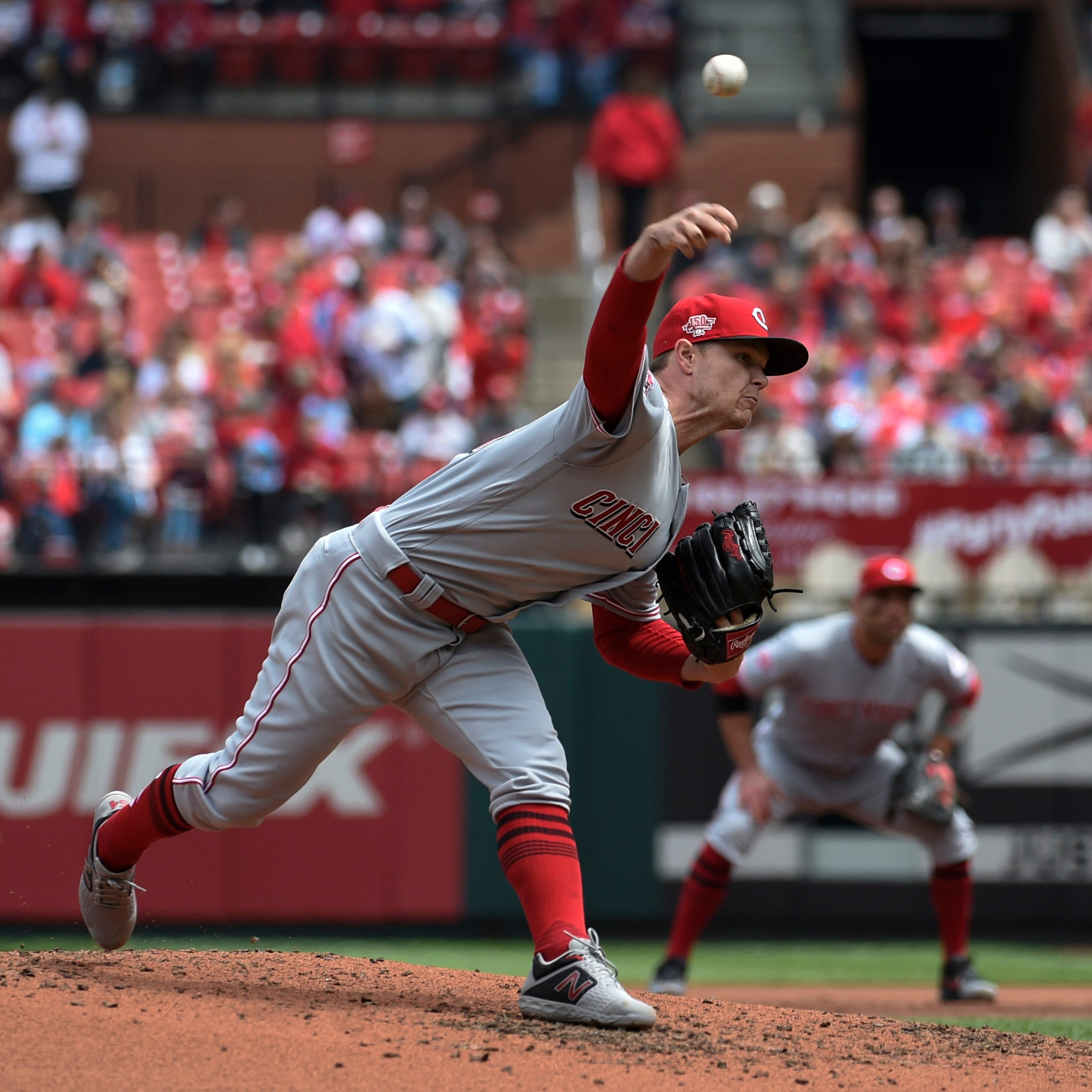 Cincinnati Reds' bats go quiet in a 5-2 loss in the series finale against St. Louis Cardinals