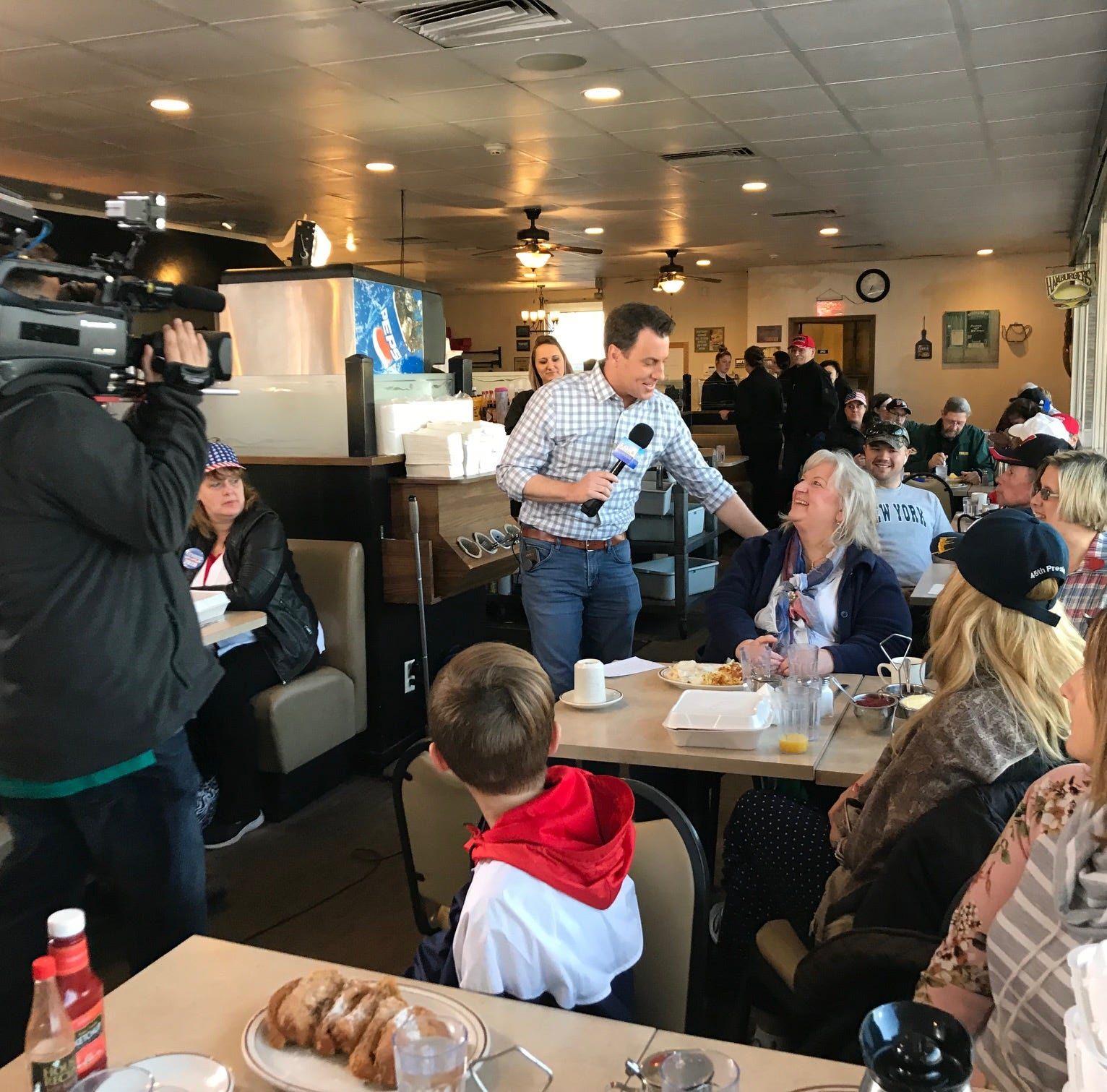 'Fox & Friends' visits The Pancake Place in Green Bay to talk politics, President Trump